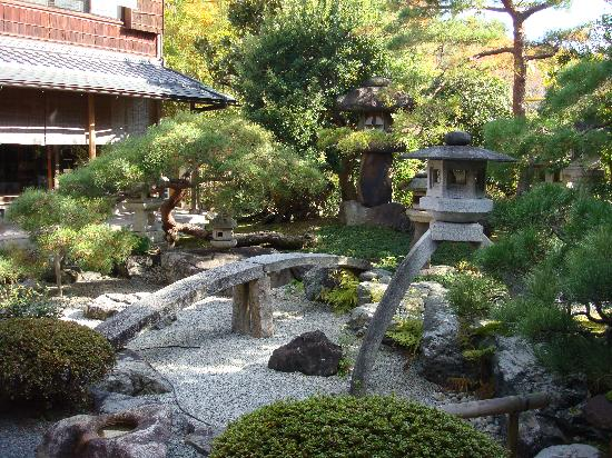 Featured Image of Traditional Japanese Garden Ideas