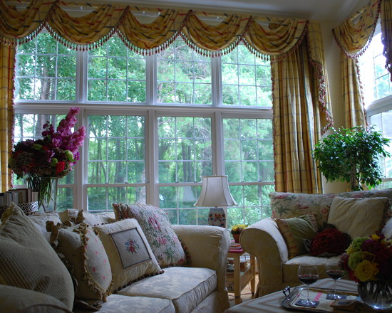 Featured Image of Traditional Living Room Curtain Ideas