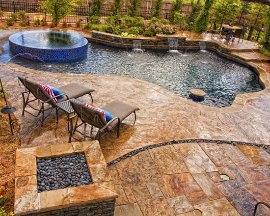 Featured Image of Traditional Style Swimming Pool Design Ideas