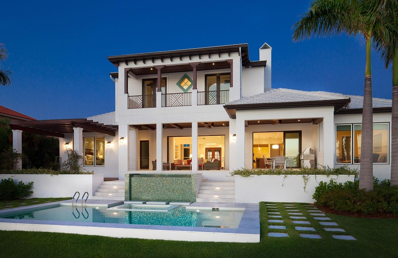 Featured Image of Tropical Homes Hawaii