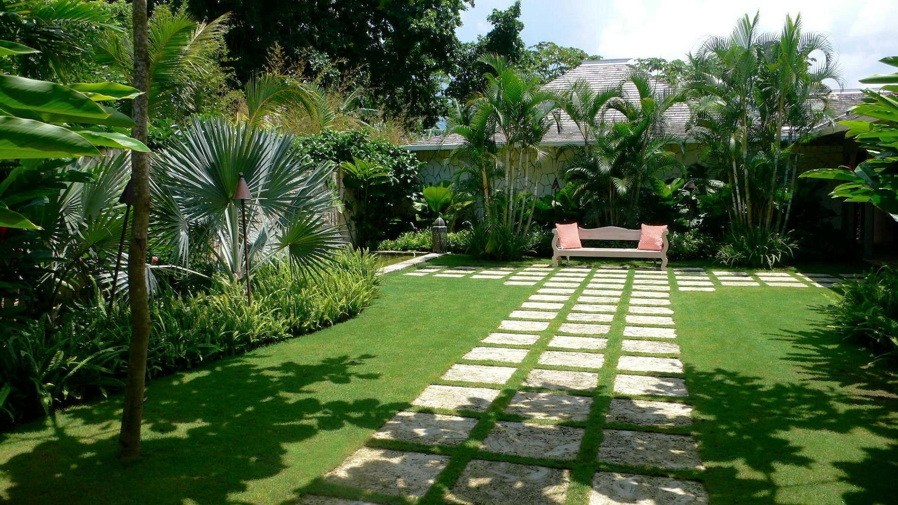 Featured Image of Tropical Plants For Home And Garden