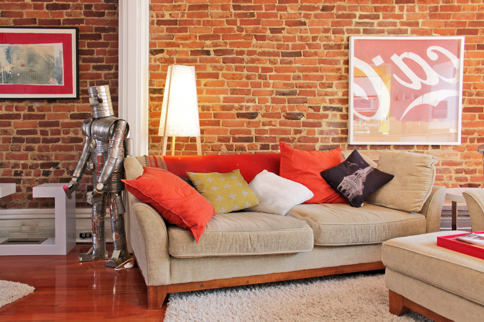 Featured Image of Unique Living Room Decor With Brick Wall