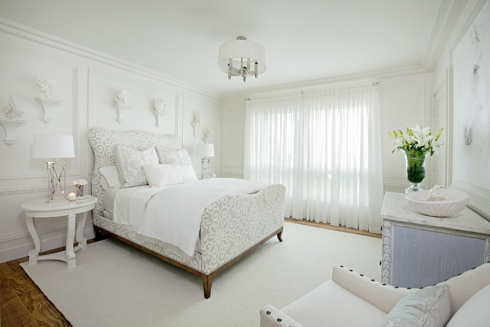 Featured Image of White Bedroom Interior With Floral Bed