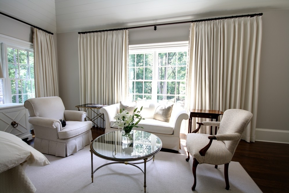 Featured Image of White Living Room Curtains For Triple Windows