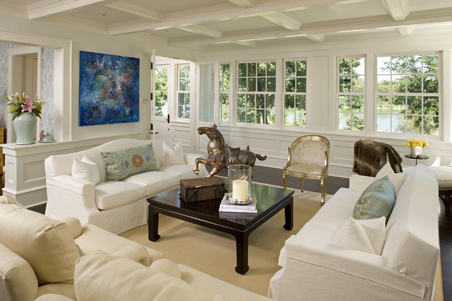 Featured Image of White And Elegant European Living Room