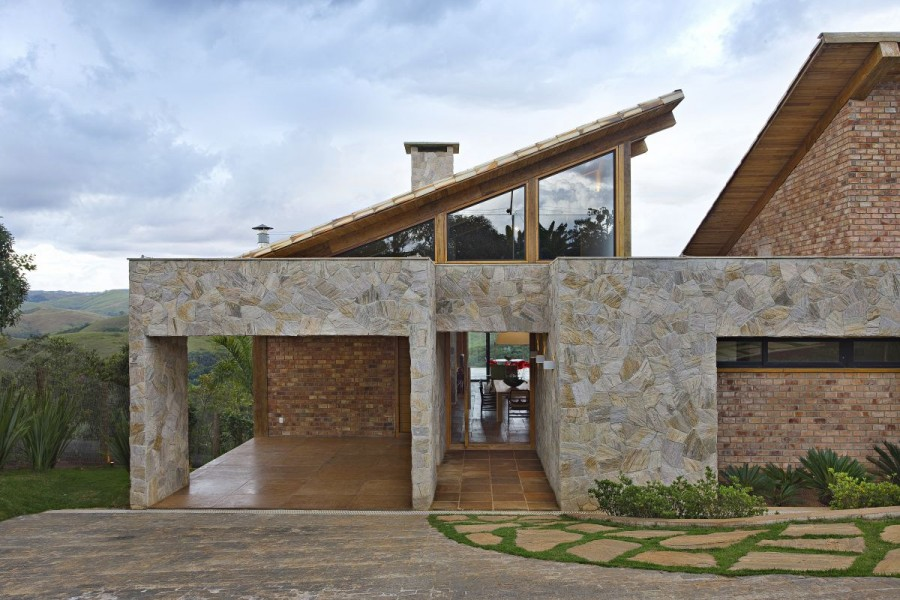 Featured Image of Natural Material Wood House Design