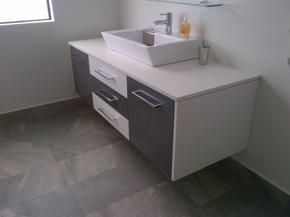 Featured Image of Small Modern Bathroom Vanity