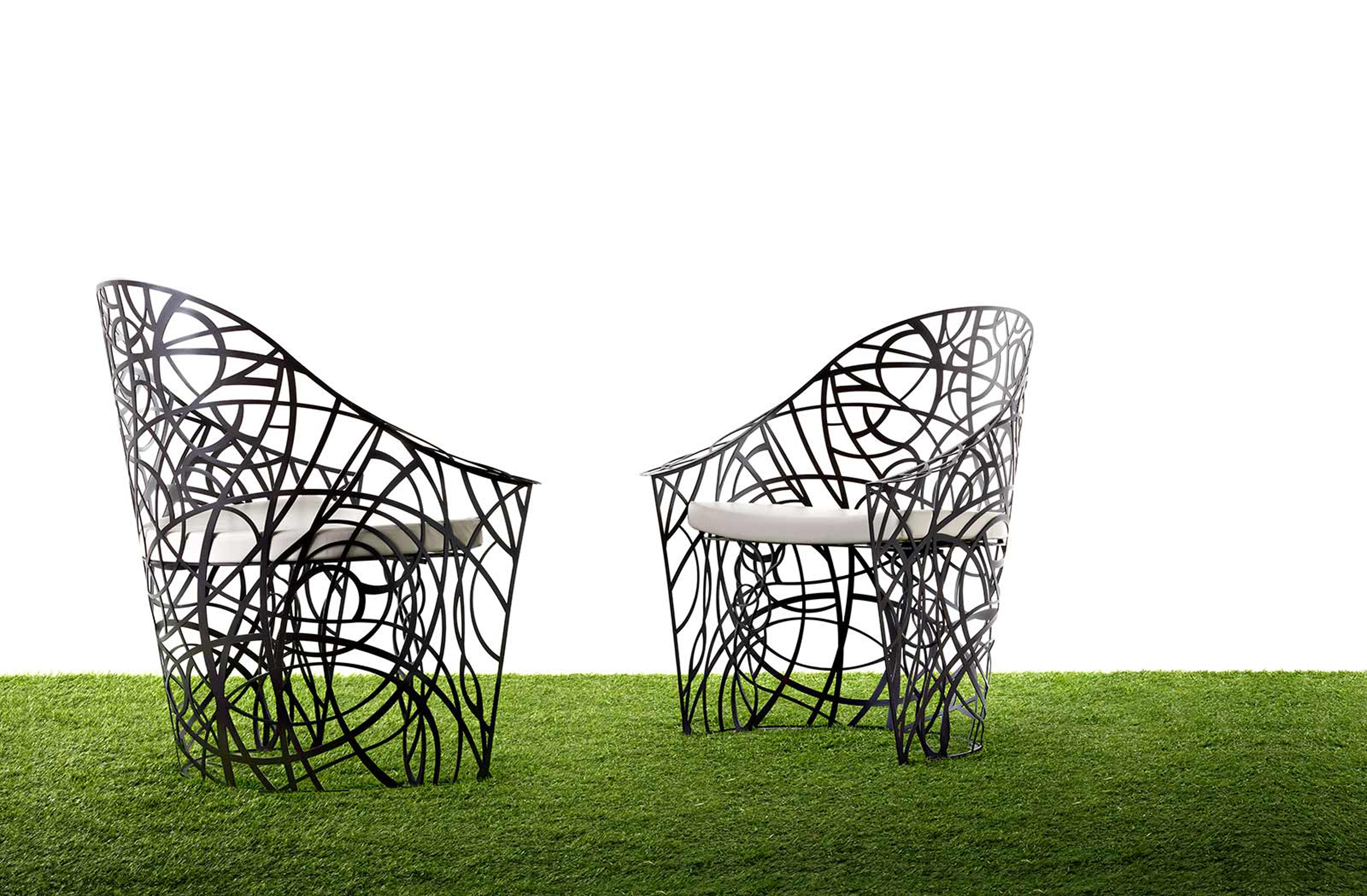 Amazing Modern Outdoor Armchair Inspiration In Black With White Seat Cuahions Fascinating Modern Outdoor Inspiration (Image 1 of 28)