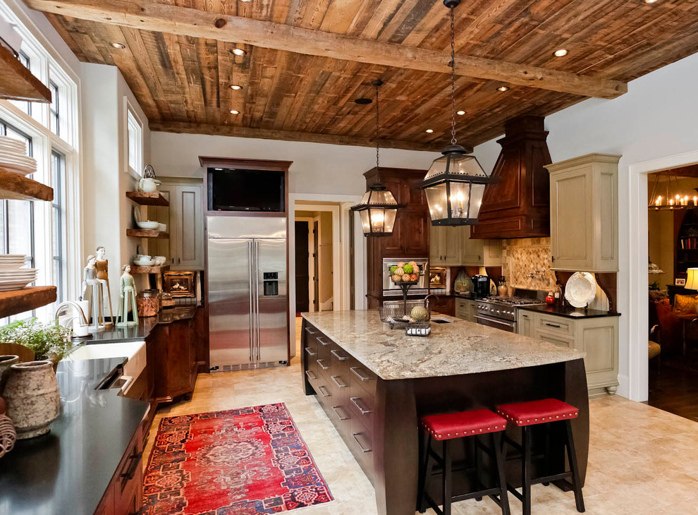 Inspiration For A Large Rustic L Shaped Enclosed Kitchen Remodel (Image 4 of 19)