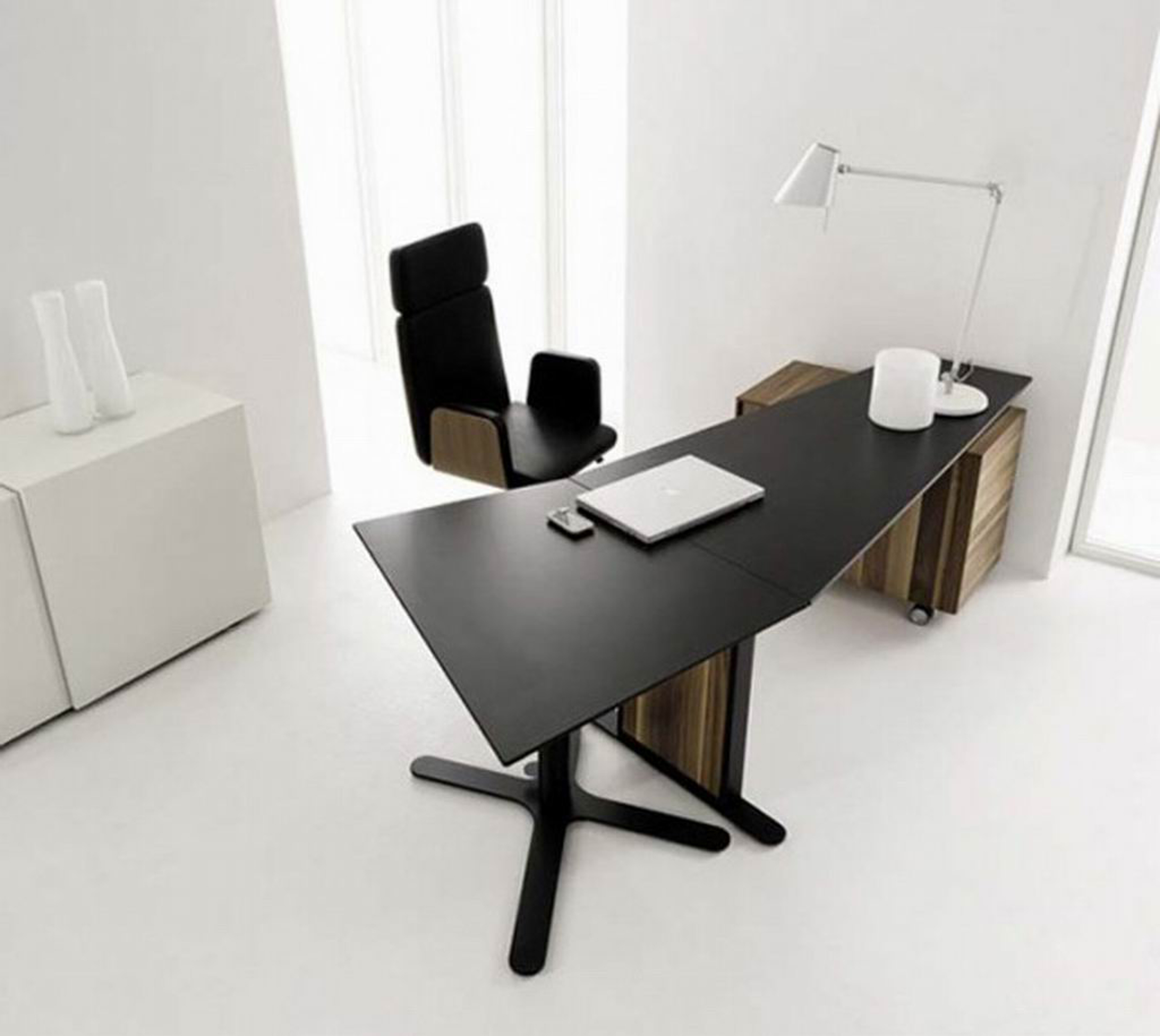 Lovely Modern Home Office Desk Design Idea In Black With White Desk Lamp White Laptop And Black Chair Fabulous Modern Home Office Desk Design Ideas (View 9 of 30)