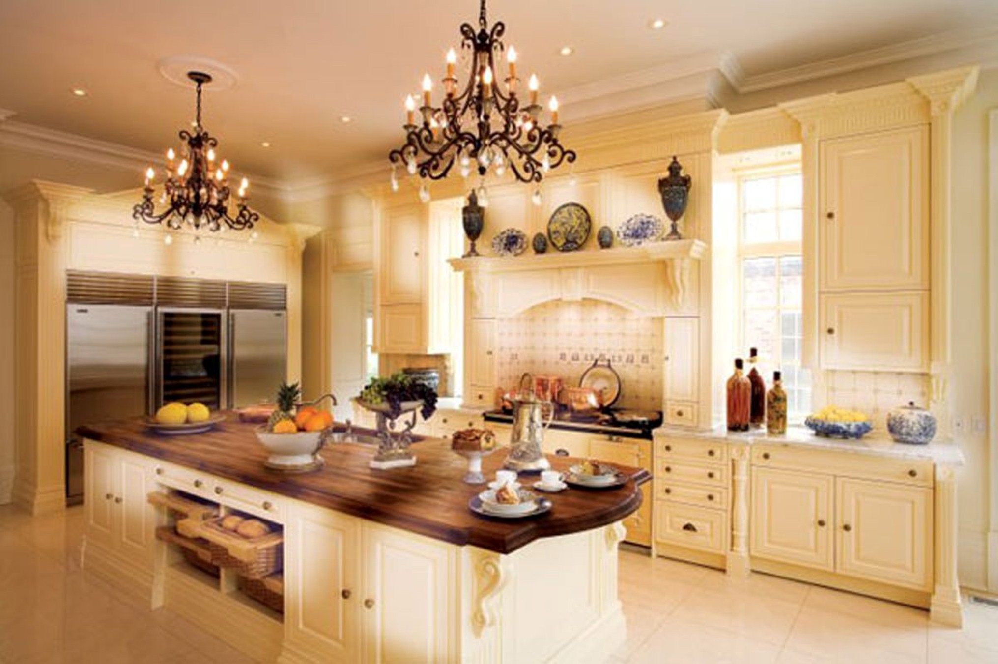 Luxurious Ideas Of Kitchen Cabinets Design Layout Using Chandeliers Along With Porcelains And Kitchen Appliances Amazing Inspirations For Your Kitchen Cabinets Layout (Image 15 of 123)