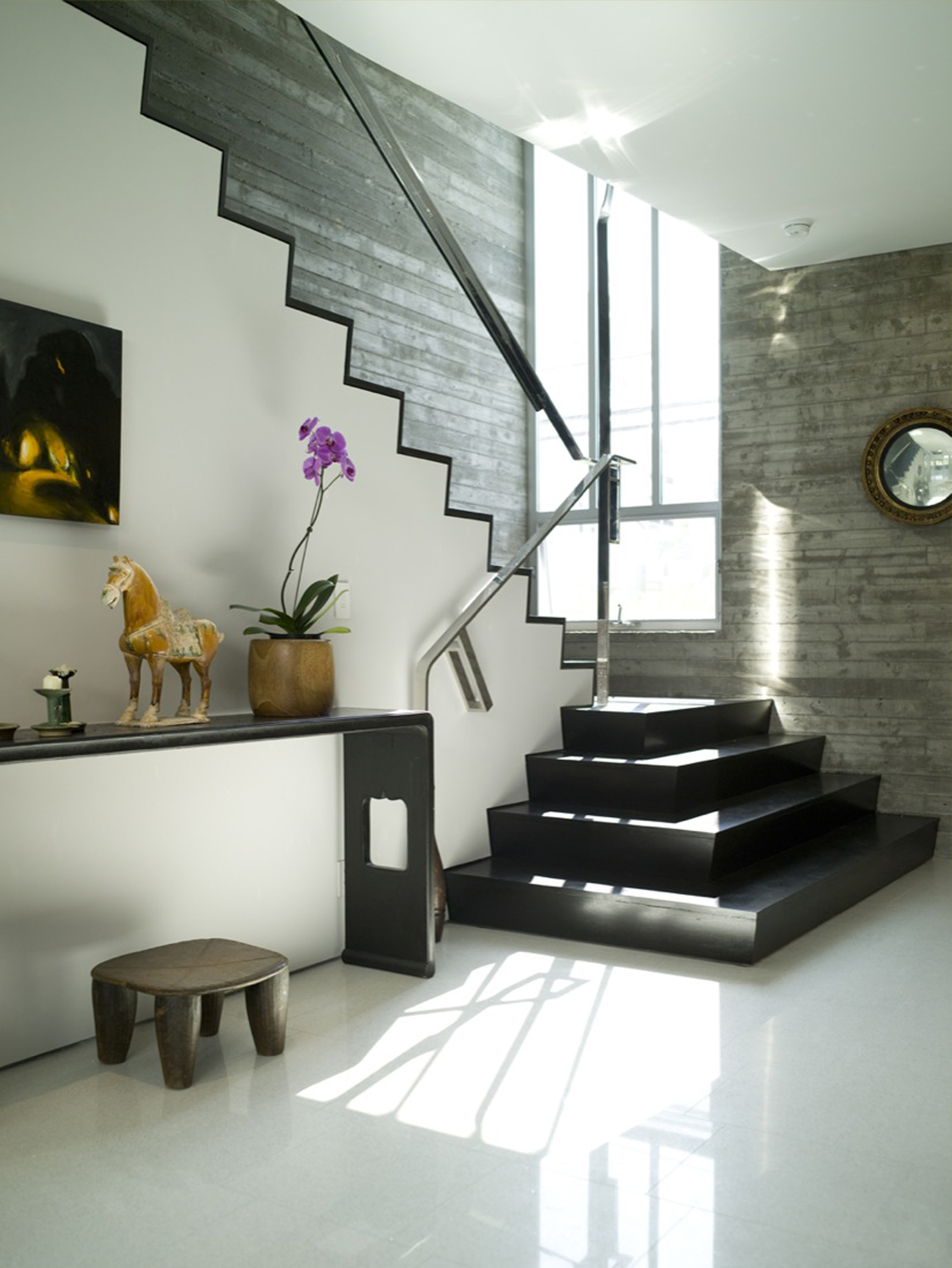 Luxurious Town House Interior Design Idea Black Staircase White Gray Wall And White Floor Tile Beautiful Town House Interior Design Ideas (Image 29 of 123)