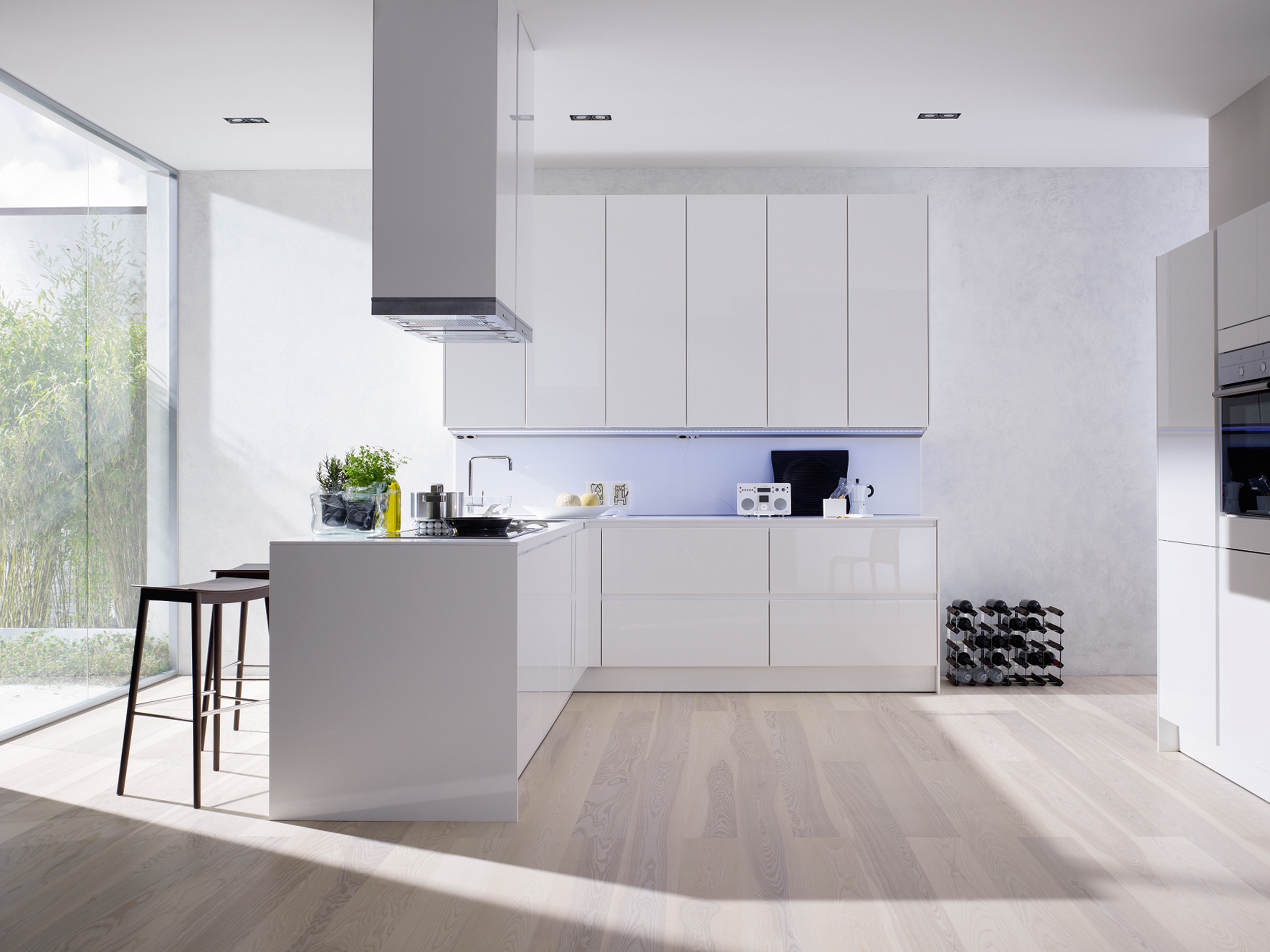 Luxury Kitchen Design Idea With White Kitchen Cabinet White Range Hood And White Hardwood Floor Tile Elegant Kitchen Design Ideas (Image 86 of 123)