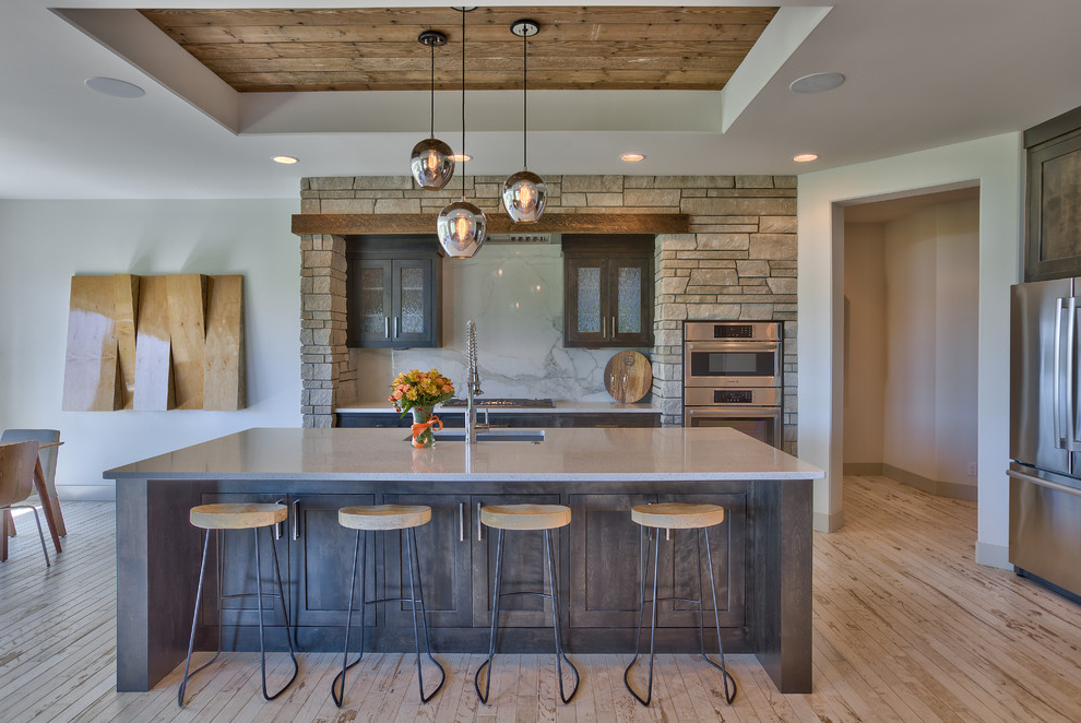 Mid Sized Transitional U Shaped Eat In Kitchen With Rustic Nuance (Image 8 of 19)