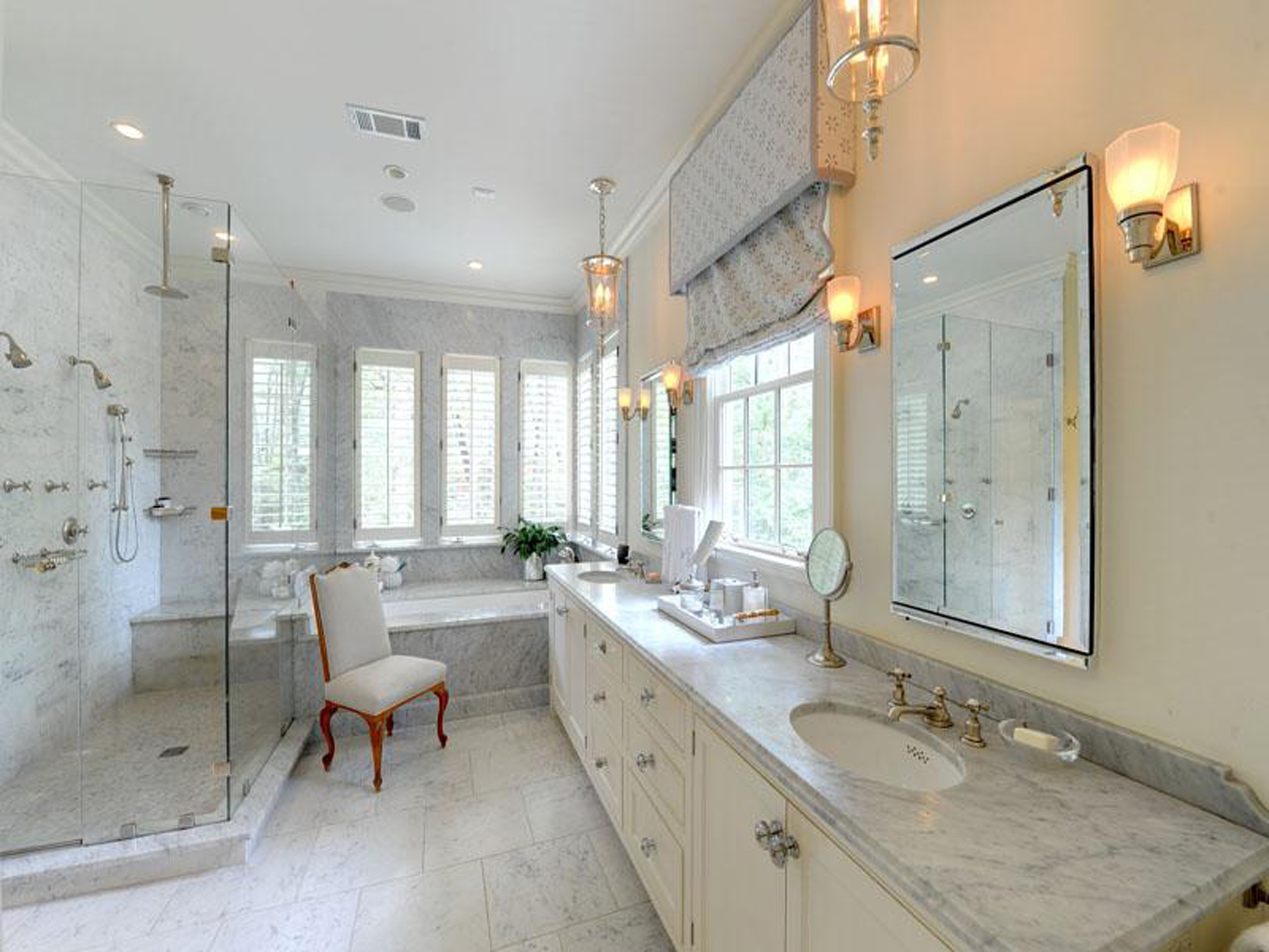 Pleasant Idea For Luxurious White Carrara Marble Bathroom Ideas Beautiful (Image 11 of 28)