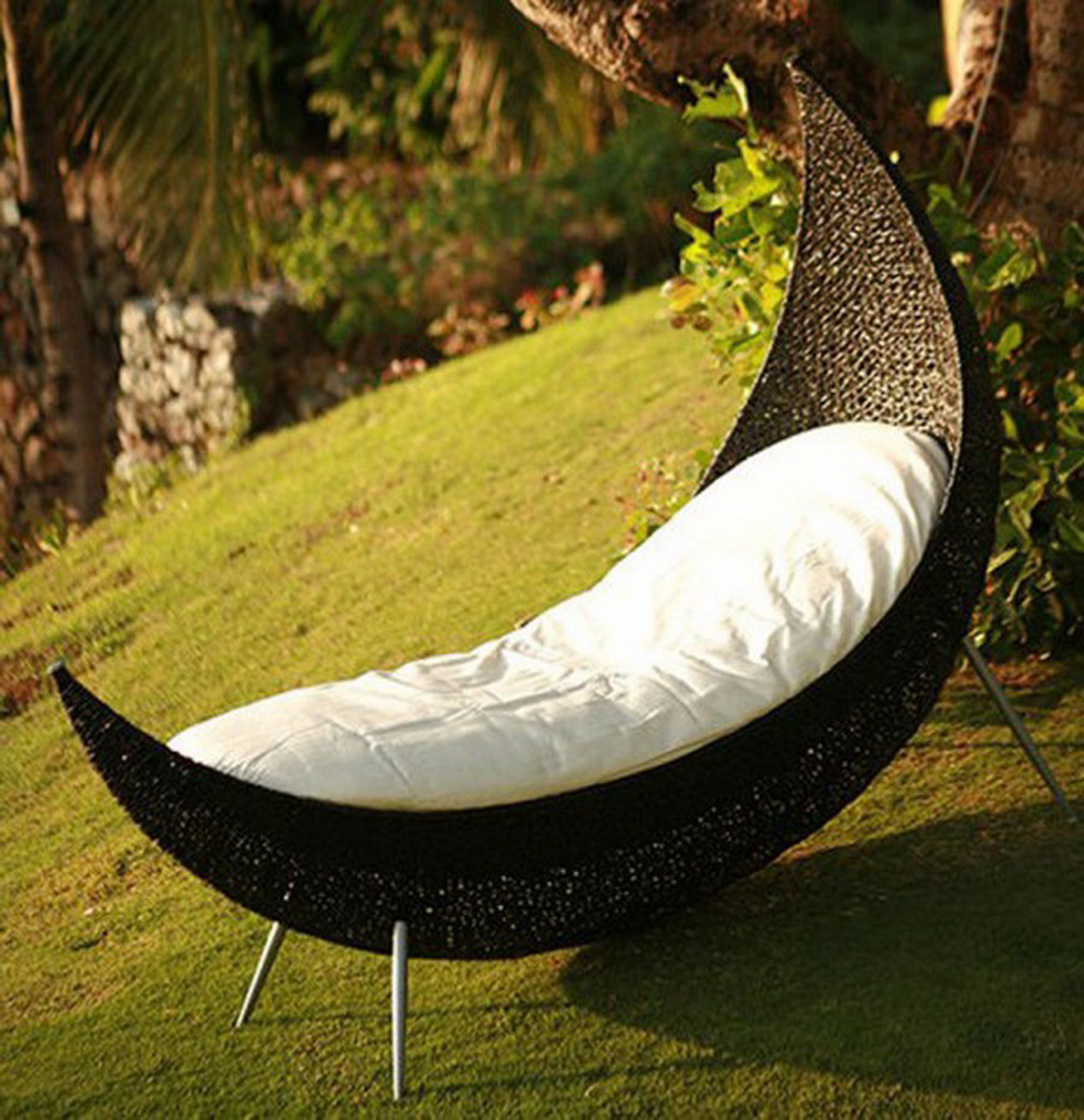 Romantic Modern Outdoor Design Idea With Chocolate White Hammock And Green Yard Impressive Modern Outdoor Design Ideas (Image 29 of 39)