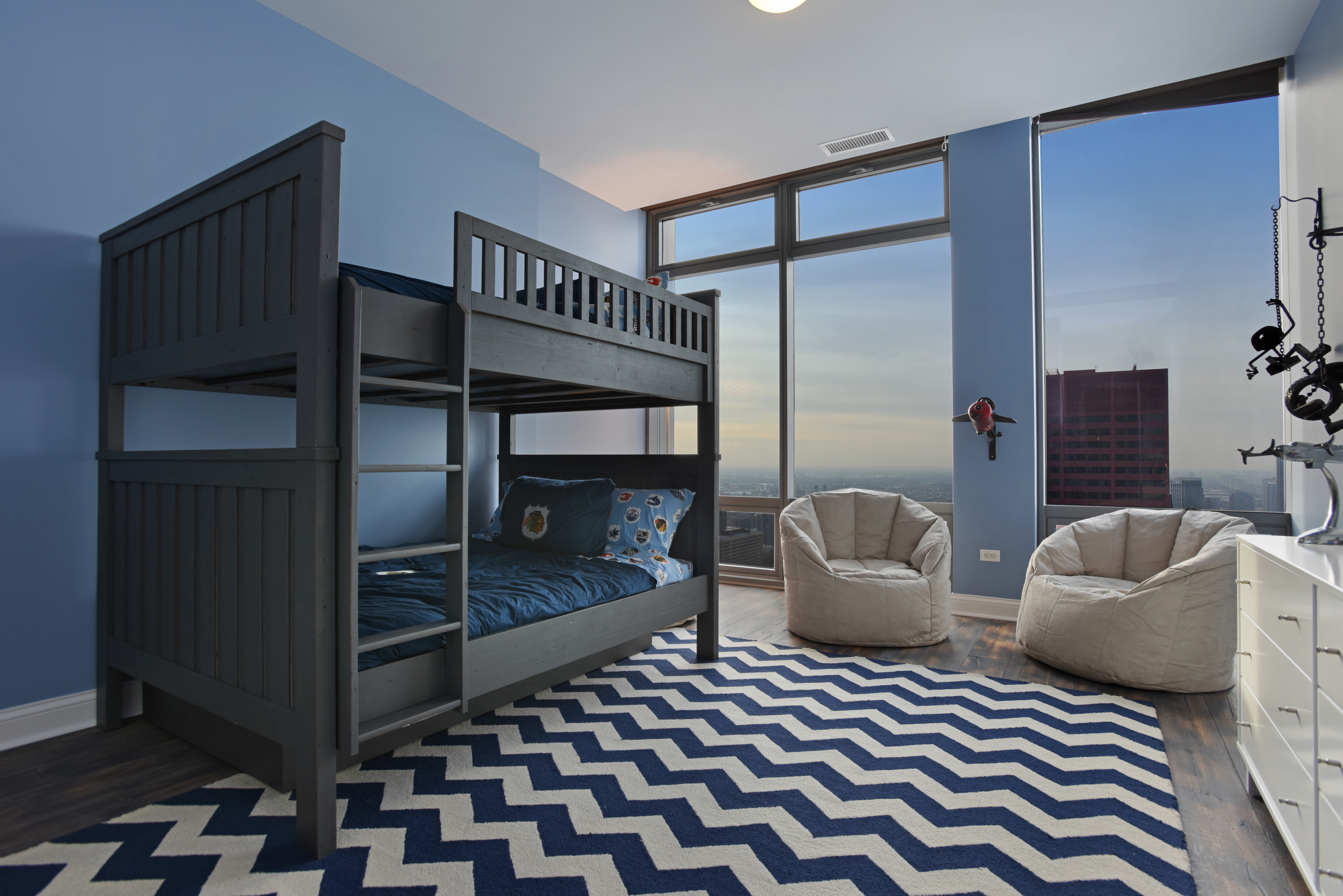2017 Contemporary Kids Apartment Bedroom Decor With Bunk Bed (Image 2 of 35)