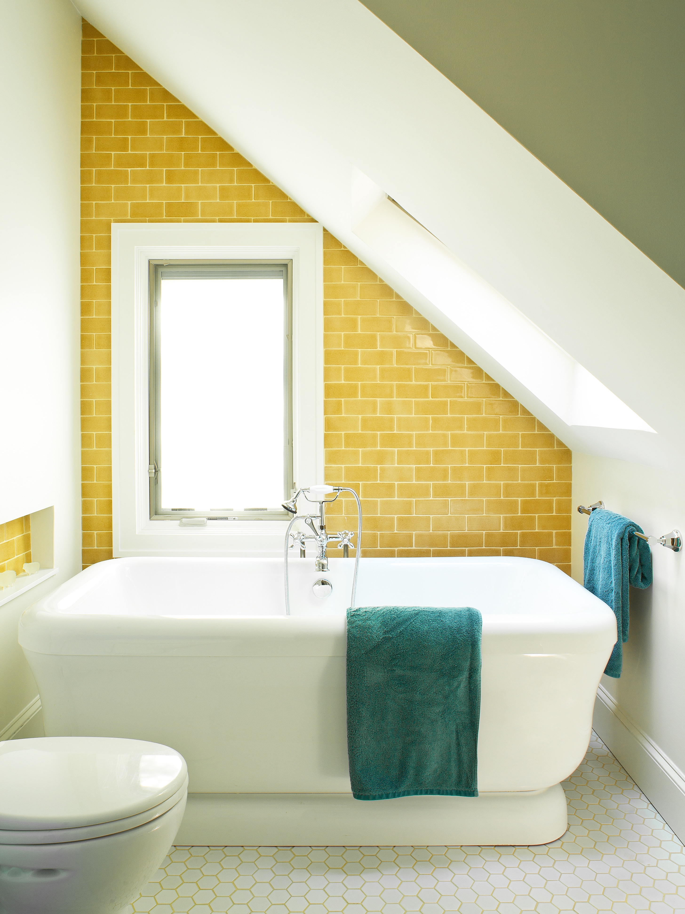 Featured Image of 5 Incredible Ideas For Small Bathrooms