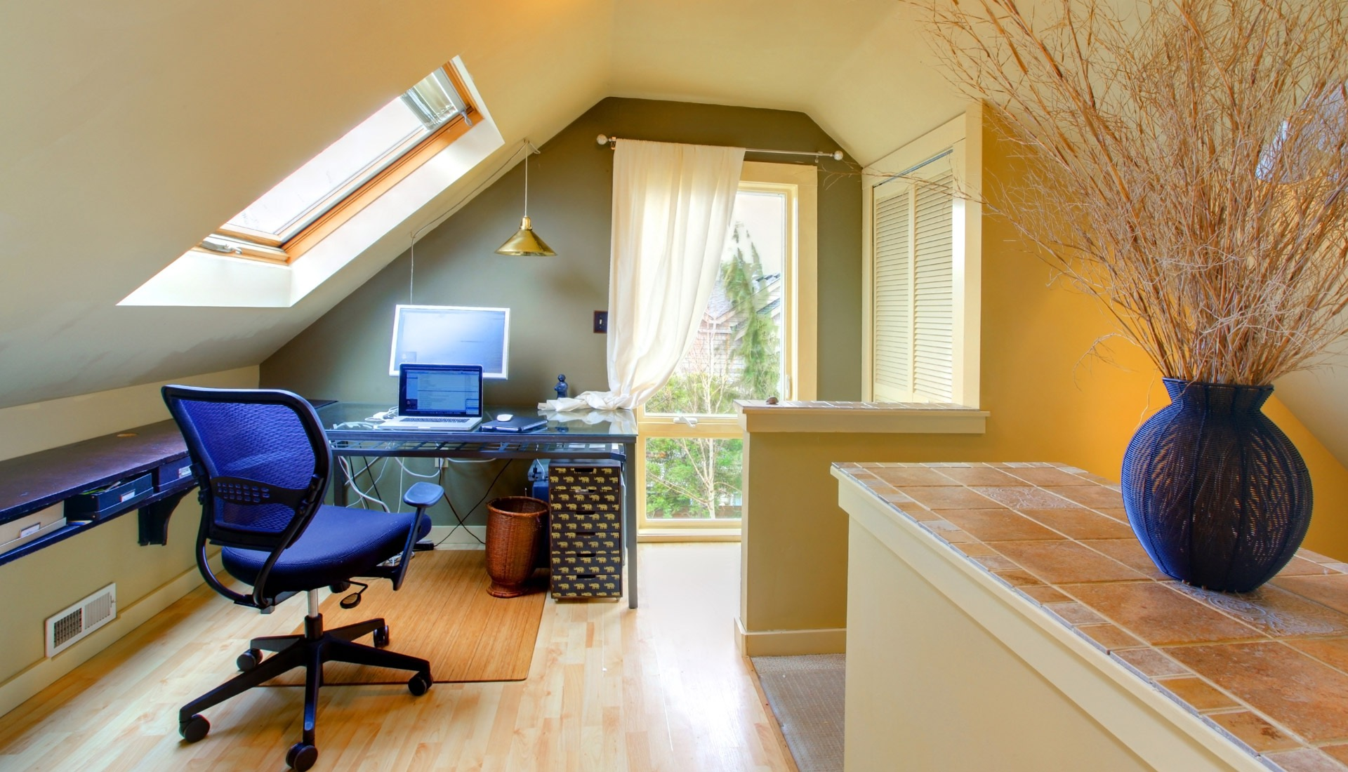 Attic Interior Remodel To Modern Workplace (Image 6 of 26)