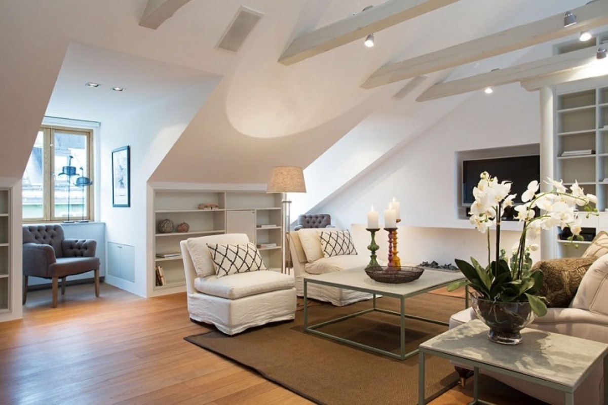 Beautiful Attic Living Room Design  (Image 9 of 26)
