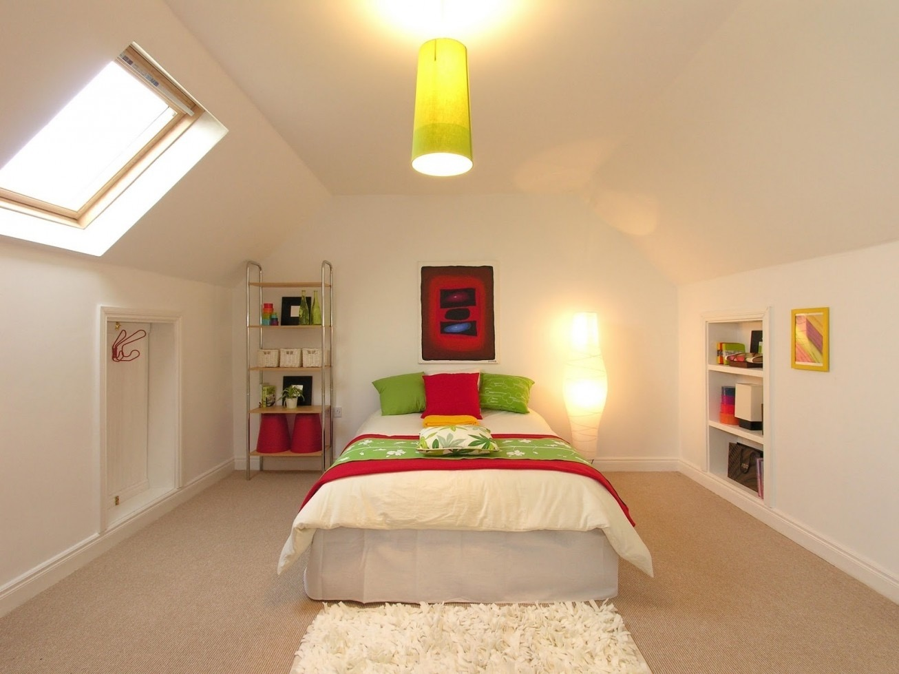 Best Beautiful Attic Bedroom  (Image 7 of 23)