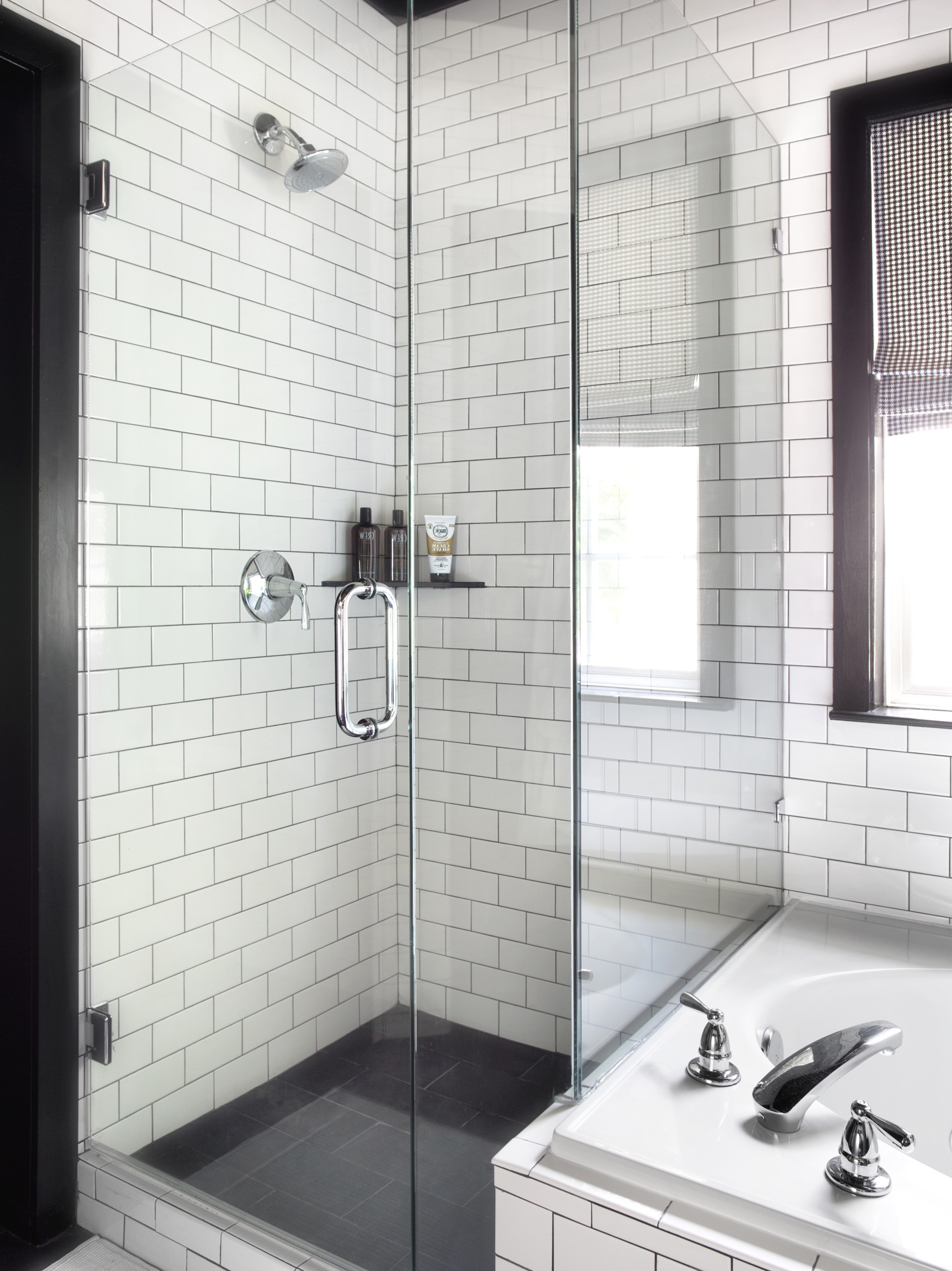 Black And White Shower Decor With Subway Tile (Image 6 of 17)
