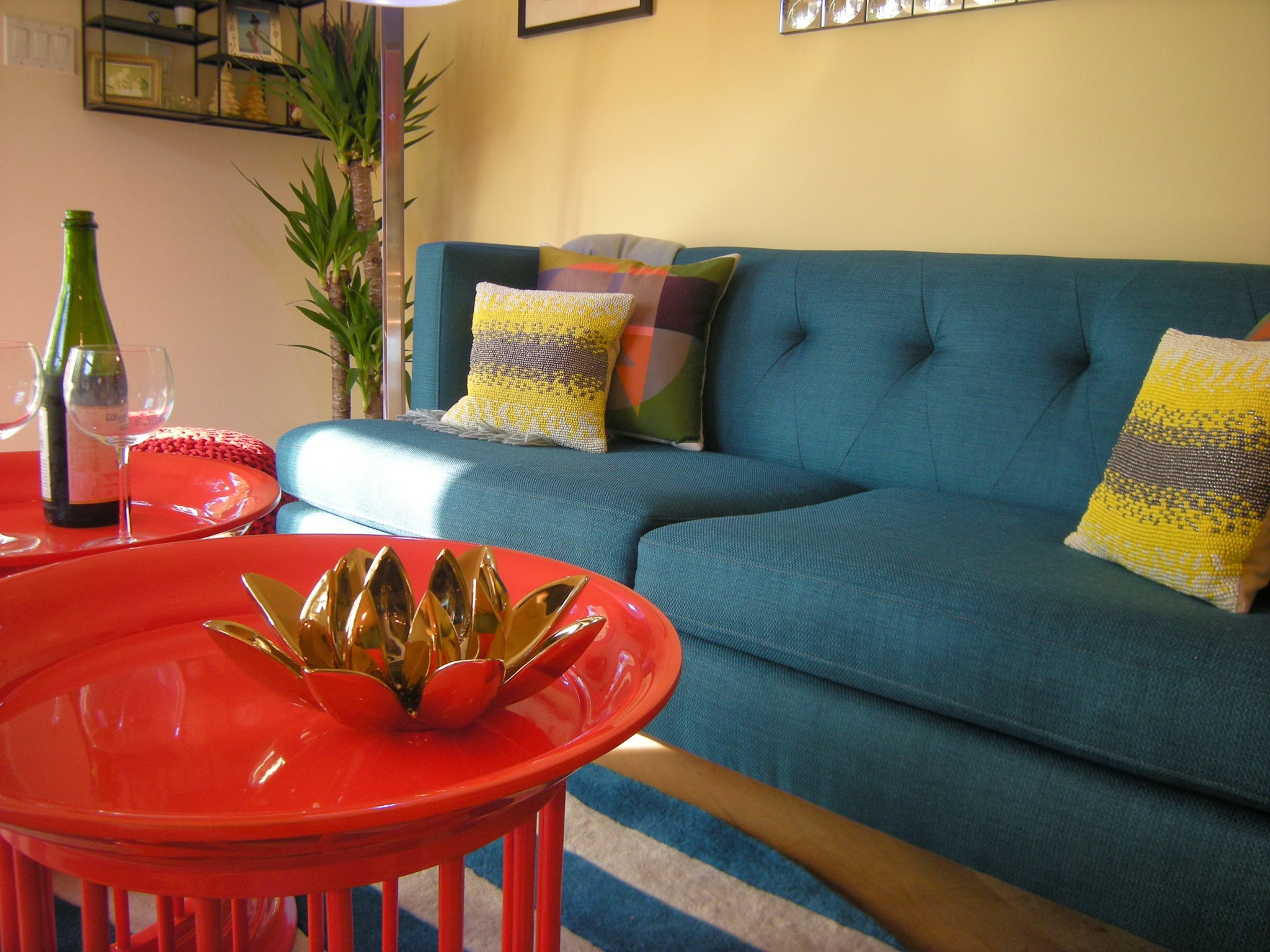 Blue Sofa And Red Tables (Image 3 of 25)