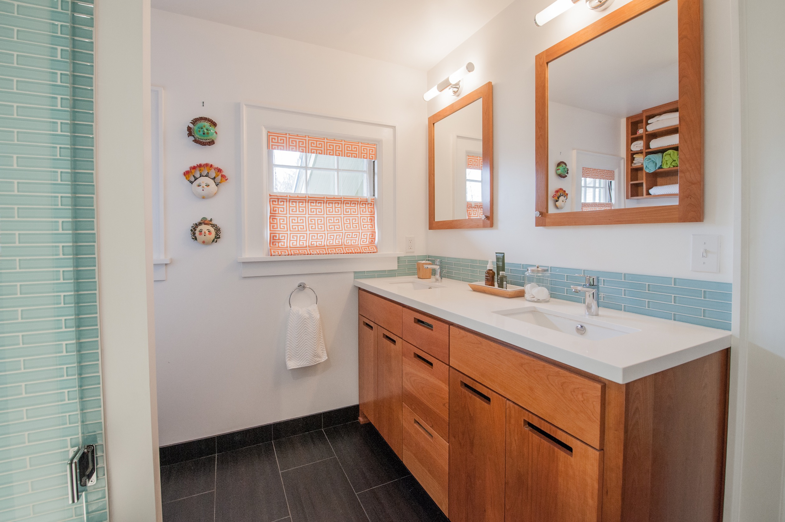 Blue And White Asian Bathroom Wooden Furniture With Wood Vanity (View 5 of 18)