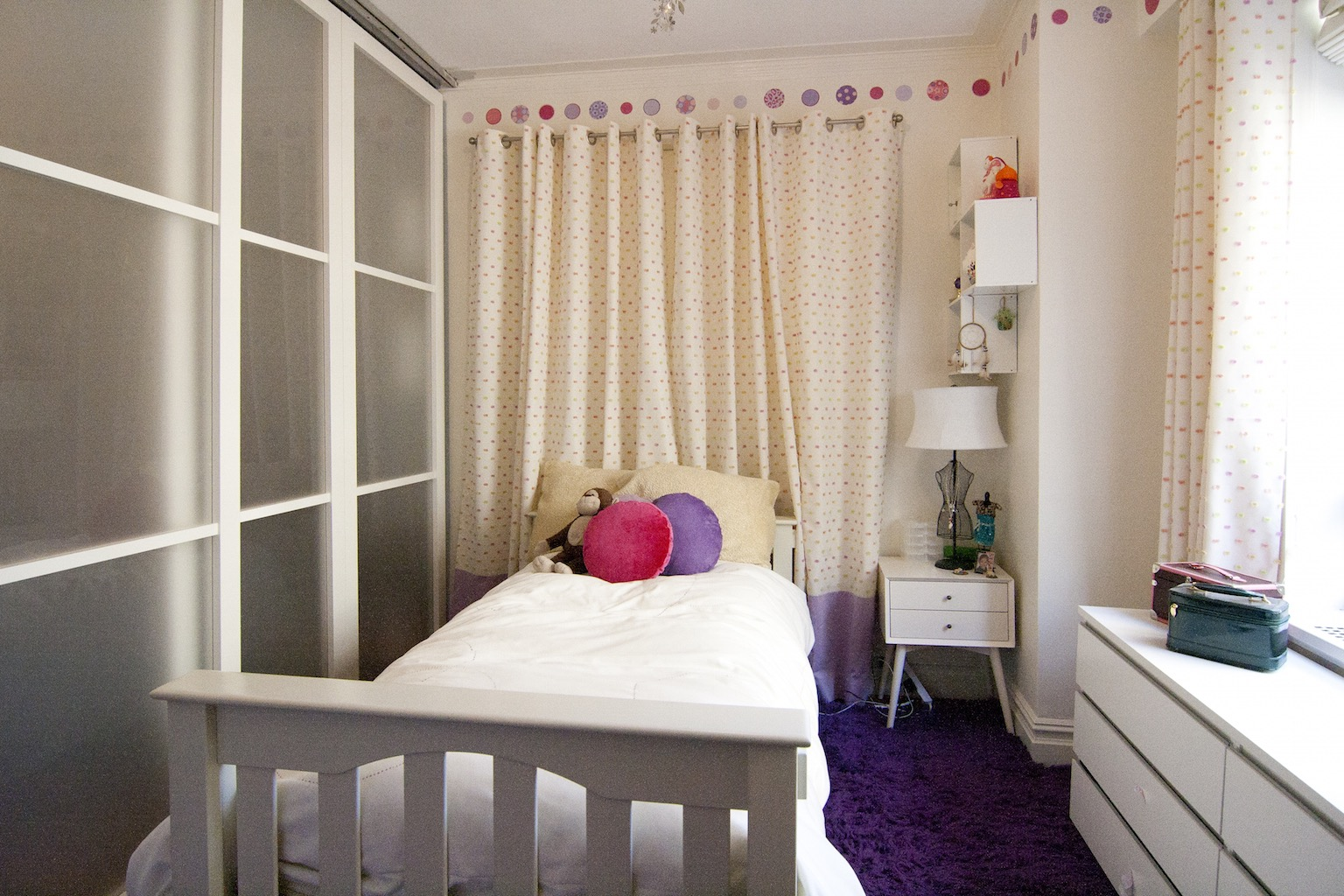 Chic Girl's Bedroom With Polka Dot Accents For Small Apartment (View 8 of 30)