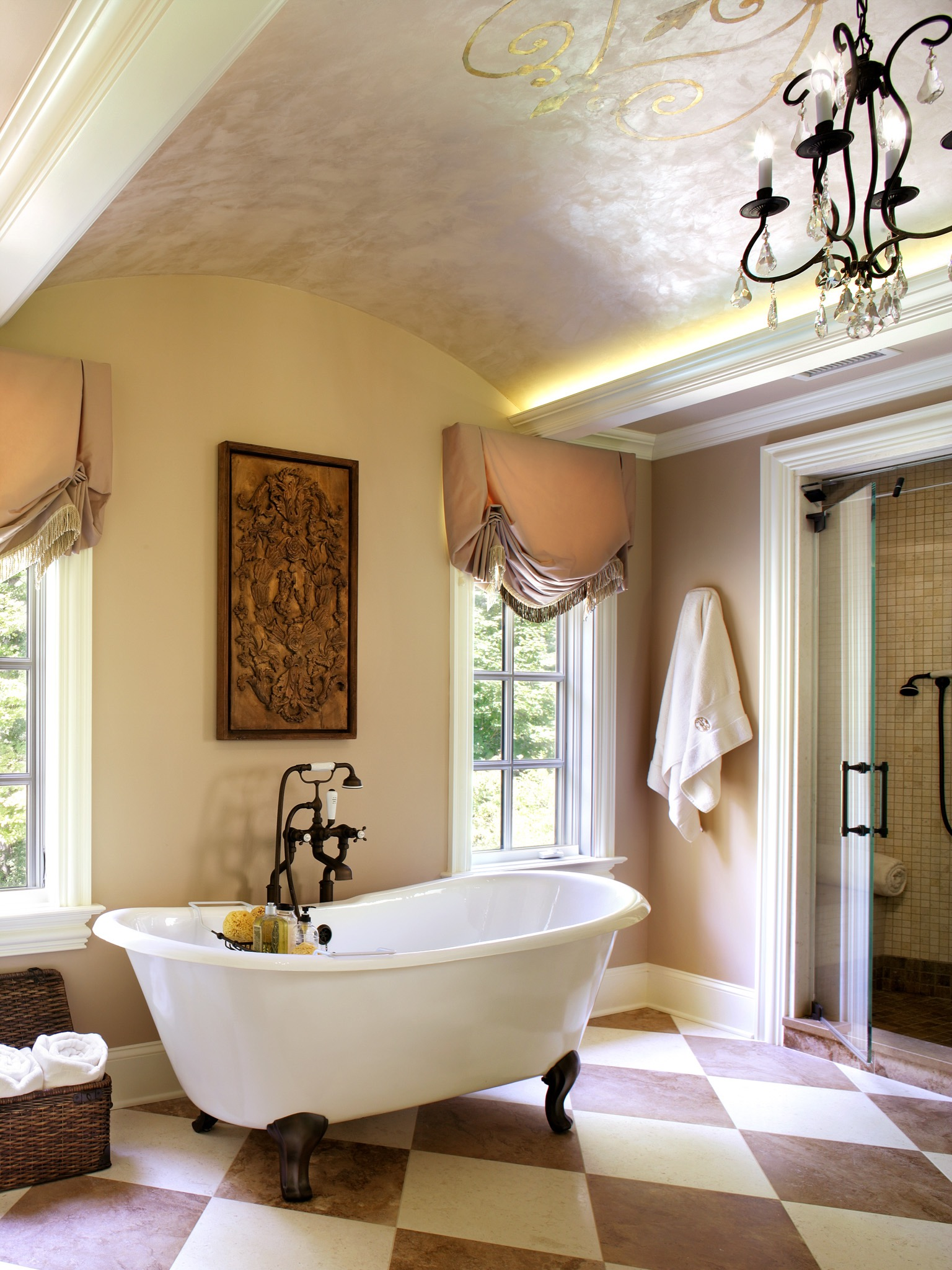 Classy French Style Bathroom With Claw Foot Tub (Image 14 of 29)
