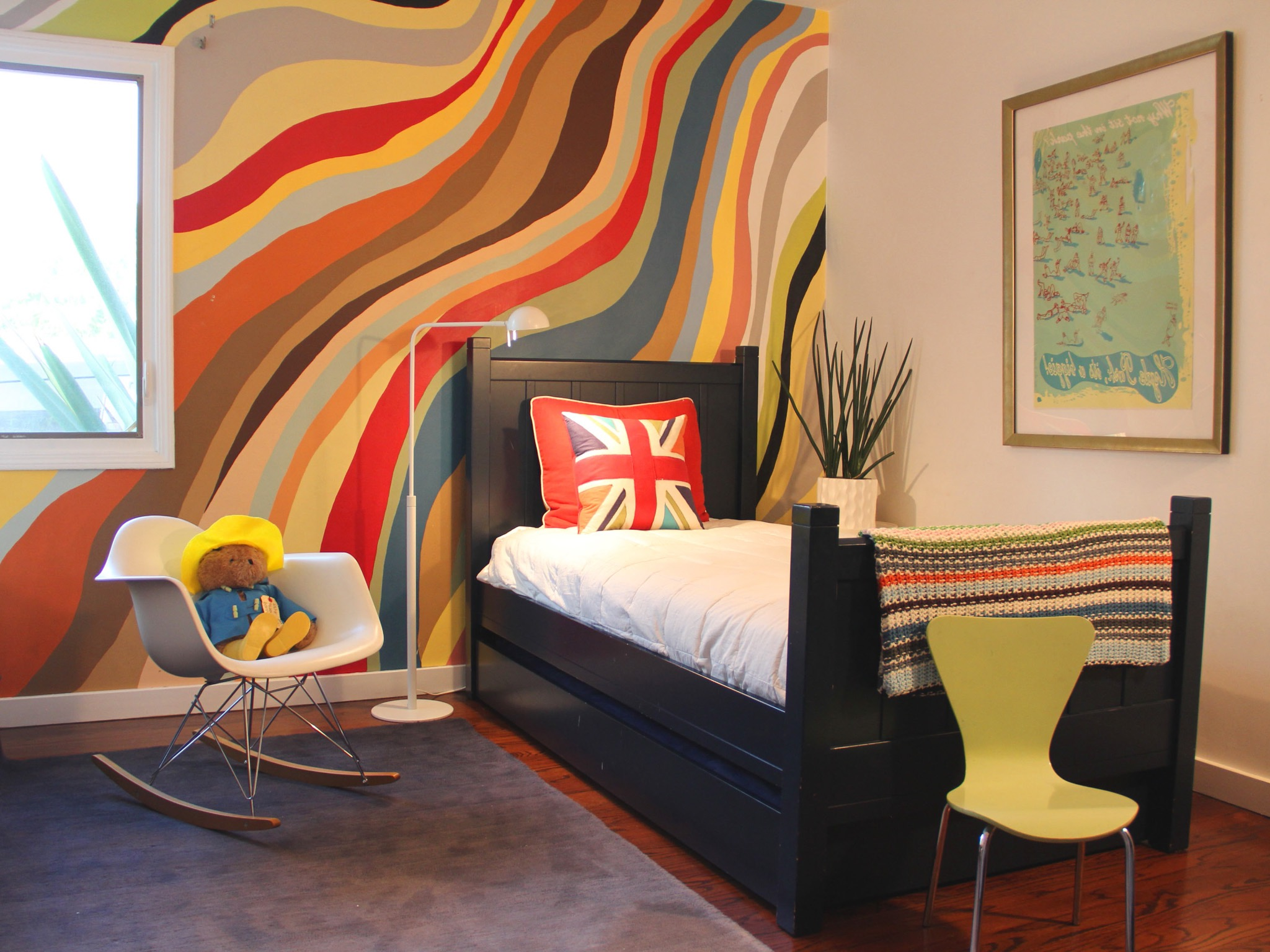 Colorful Mural In Kids Bedroom Decor (View 15 of 22)