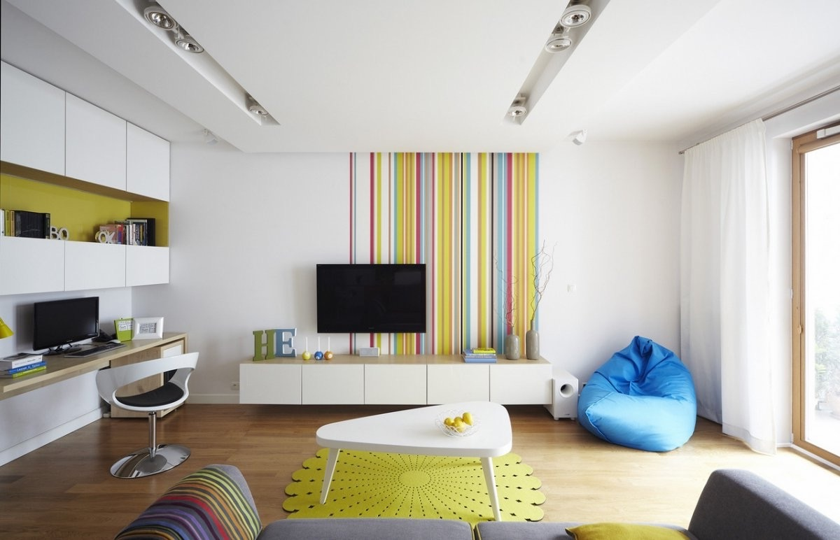 Colorful Wall Decor For Minimalist Living Room (Image 5 of 23)
