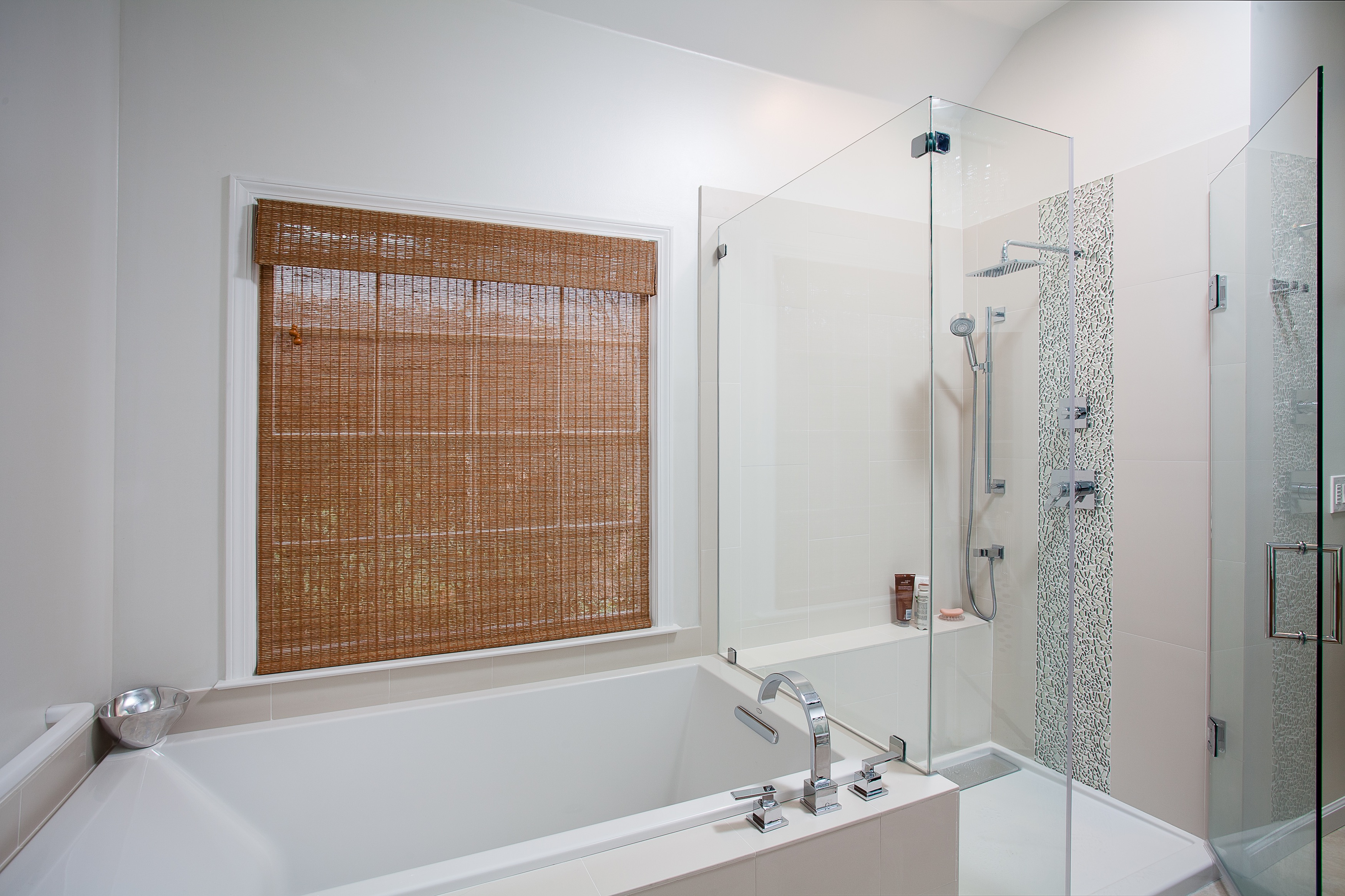 Contemporary White Bathroom With Tub And Glass Enclosed Shower Combo (Image 7 of 19)
