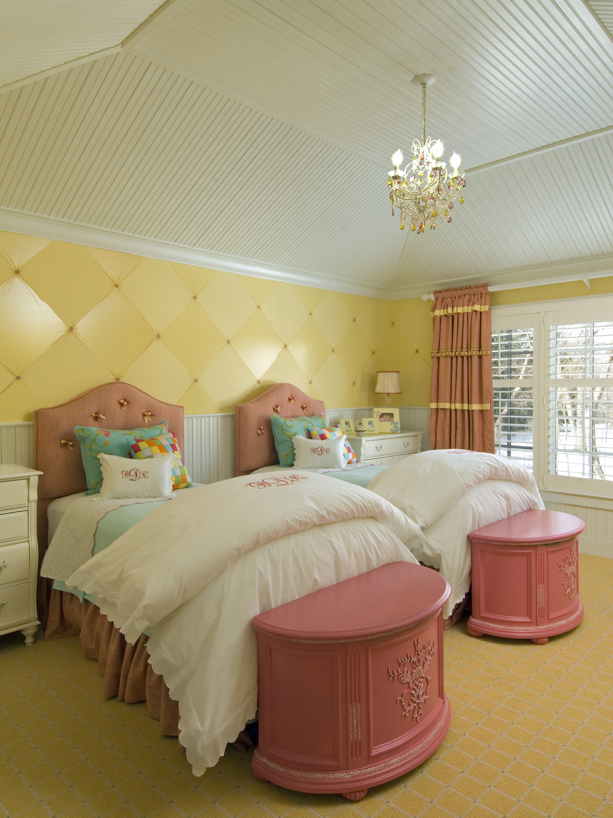 Cozy Traditional Twin Kids Bedroom With Yellow Wall Decor (Image 13 of 35)