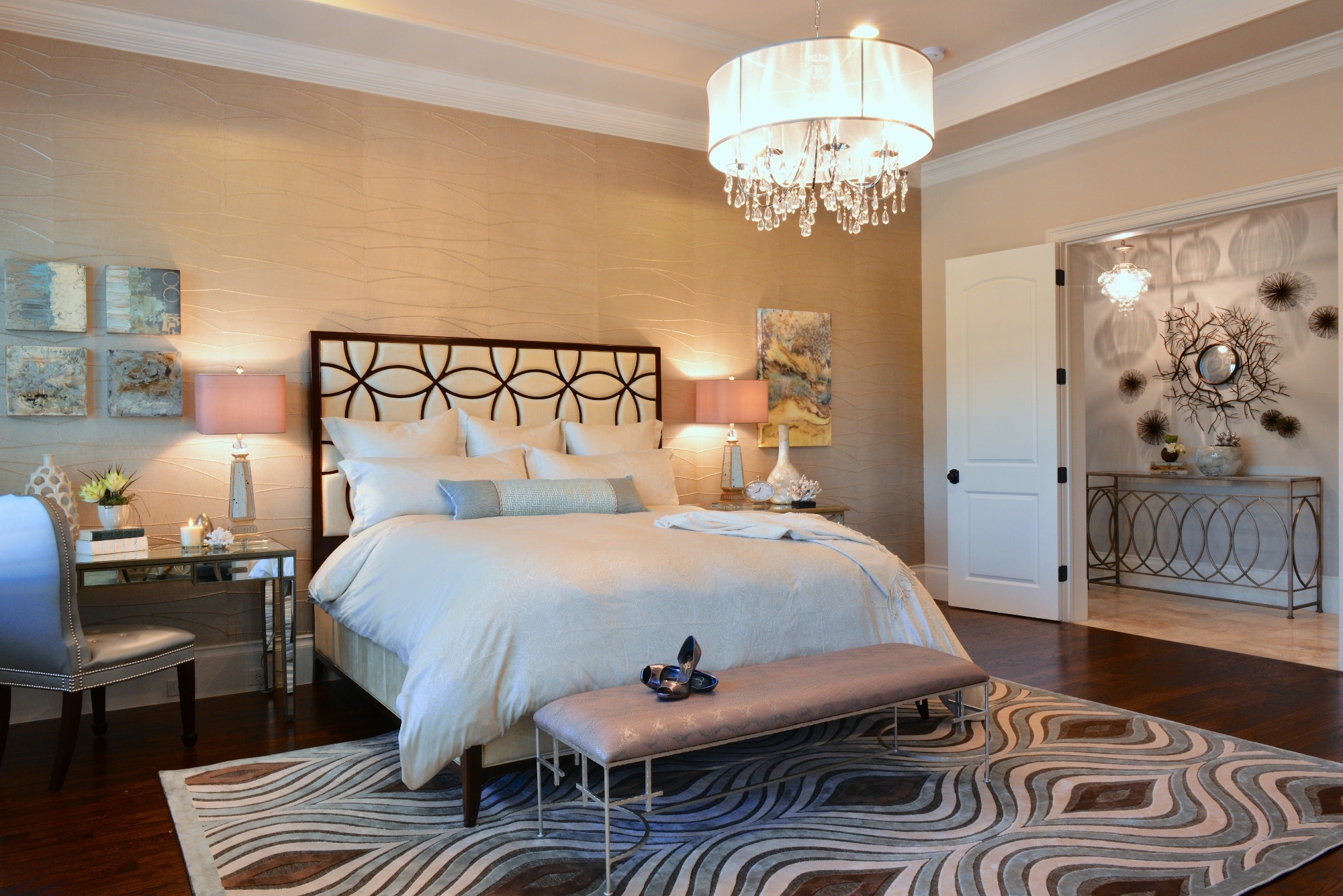 Deluxe Master Bedroom With Metallic Accents For Luxurious Nuance (View 7 of 16)