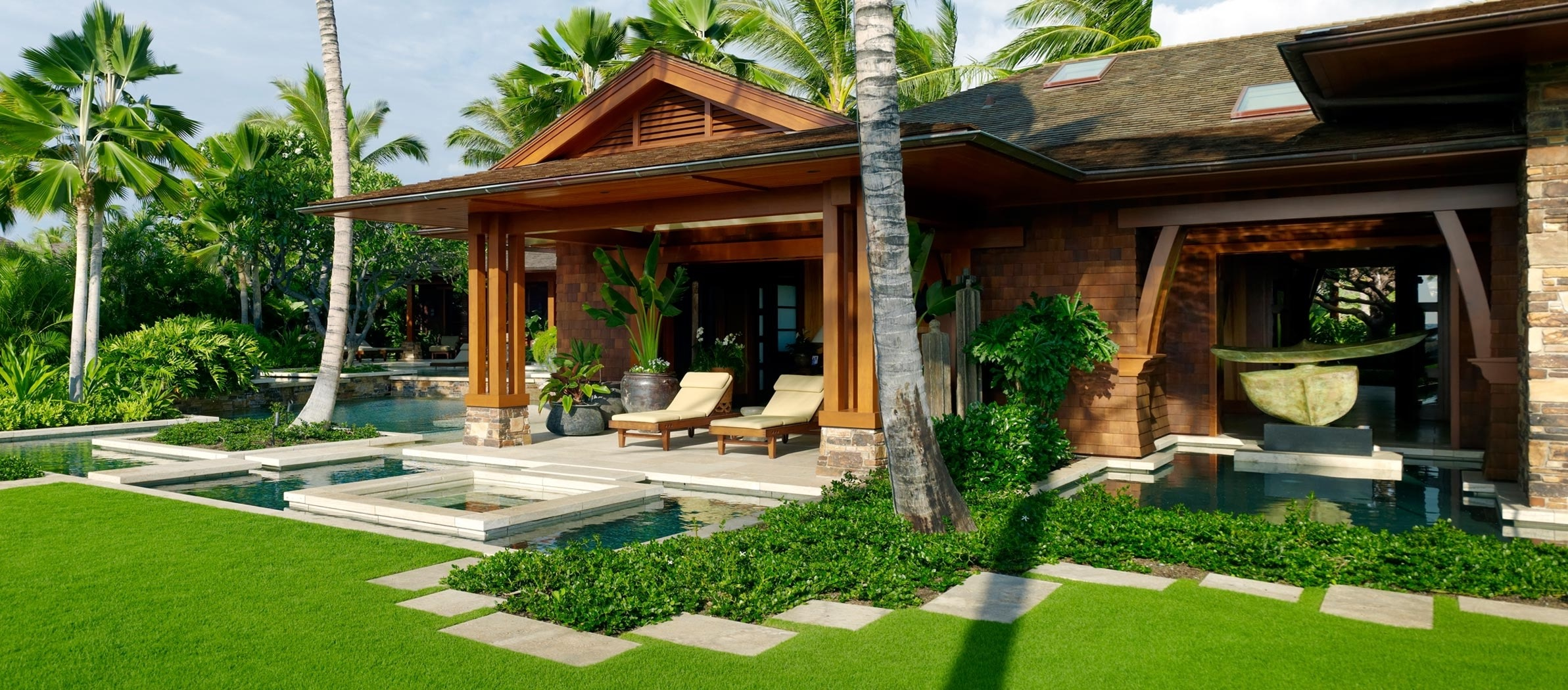 Deluxe Tropical Home Exterior (Image 11 of 33)