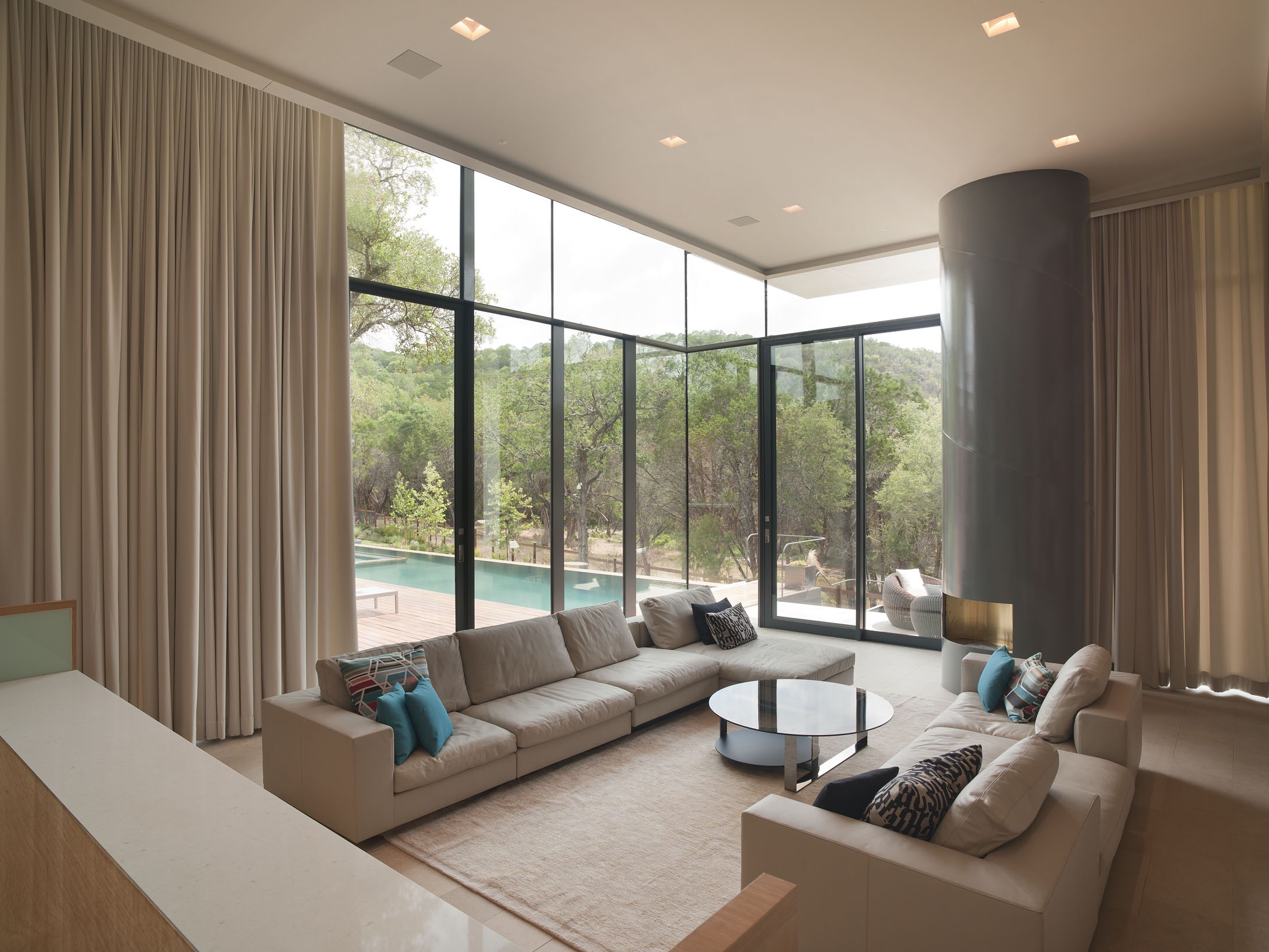 Floor Length Curtains And Glass Walls For Luxury Modern Living Room  (Image 14 of 25)
