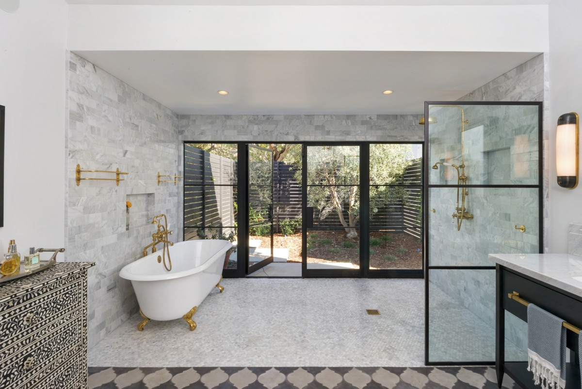 Giant Open Classic And Luxury Bathroom And Shower Space With Gray Marble TIle Walls (Image 21 of 29)
