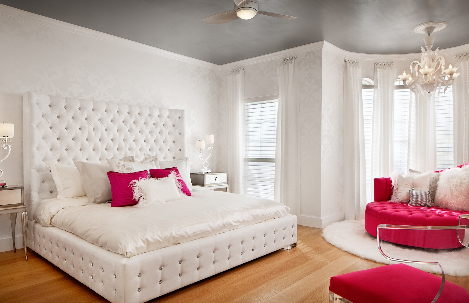 Glamour And Luxury Teen Girls Bedroom With White Tufted Bed (Image 17 of 30)