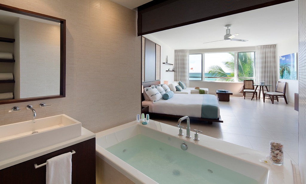 Impressive Bedroom With Spa Treatment (Image 16 of 25)