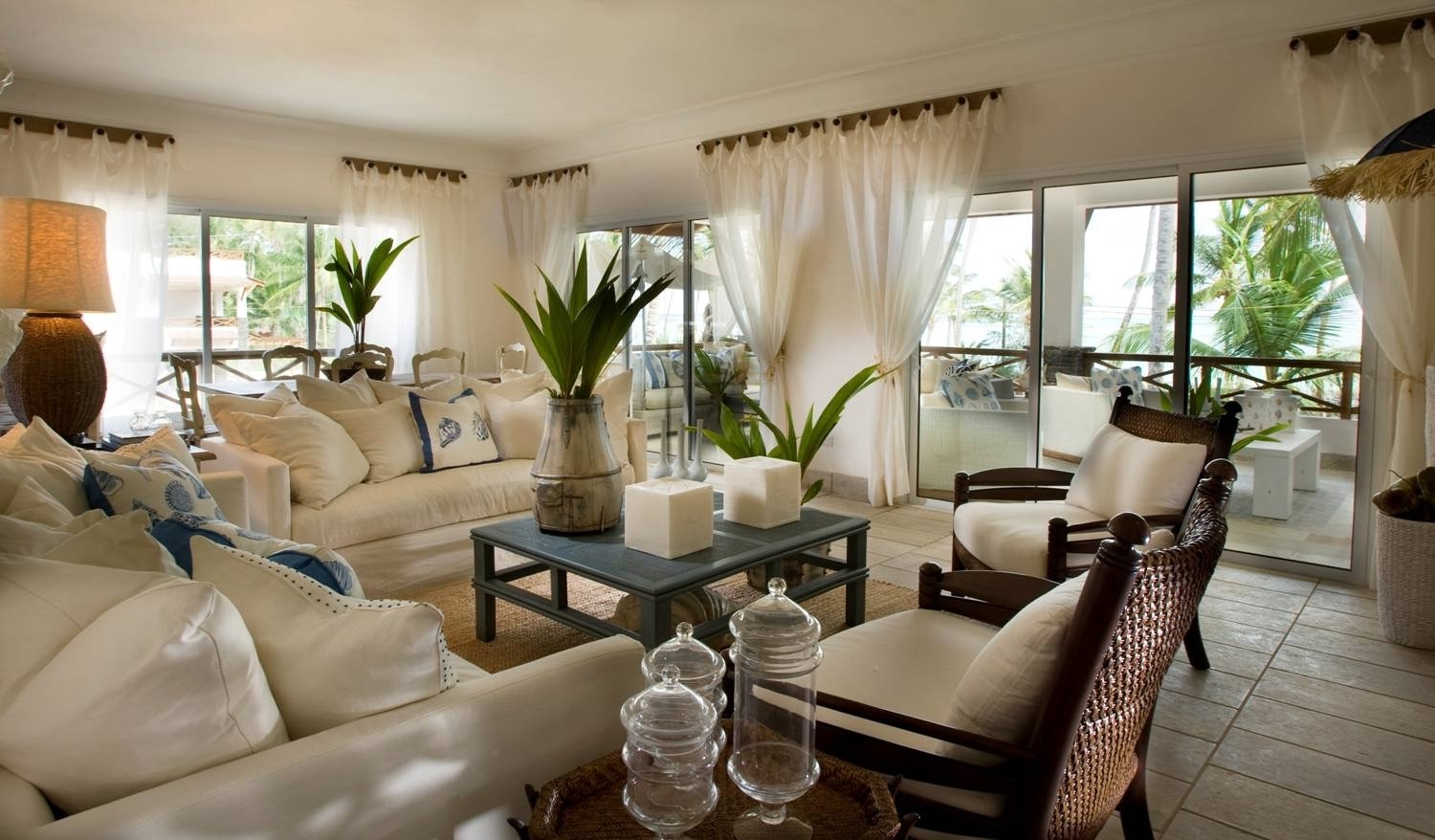 Interior For Tropical Homes (Image 14 of 33)