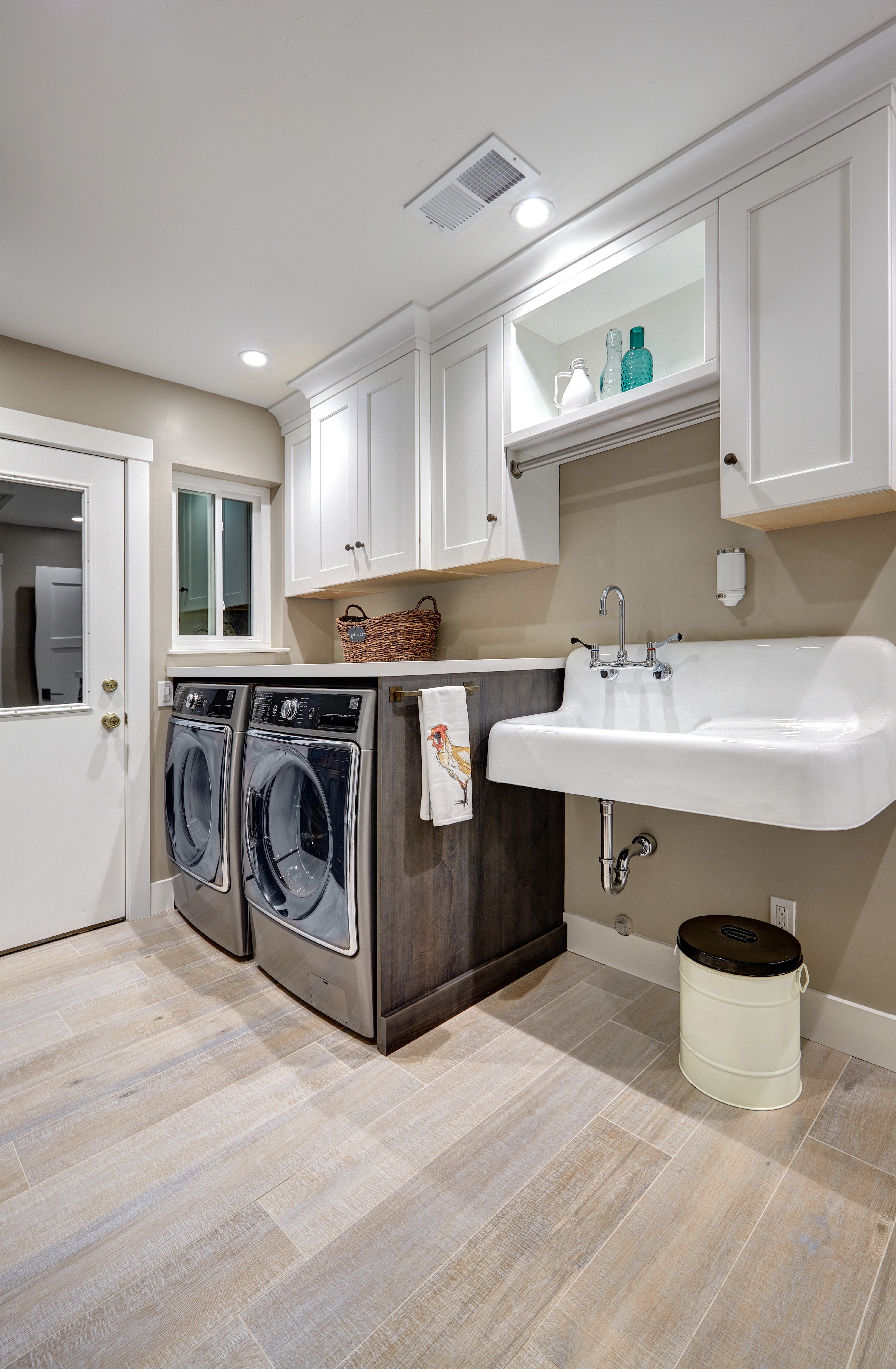 Laundry Room With Plenty Of Space (Image 12 of 26)