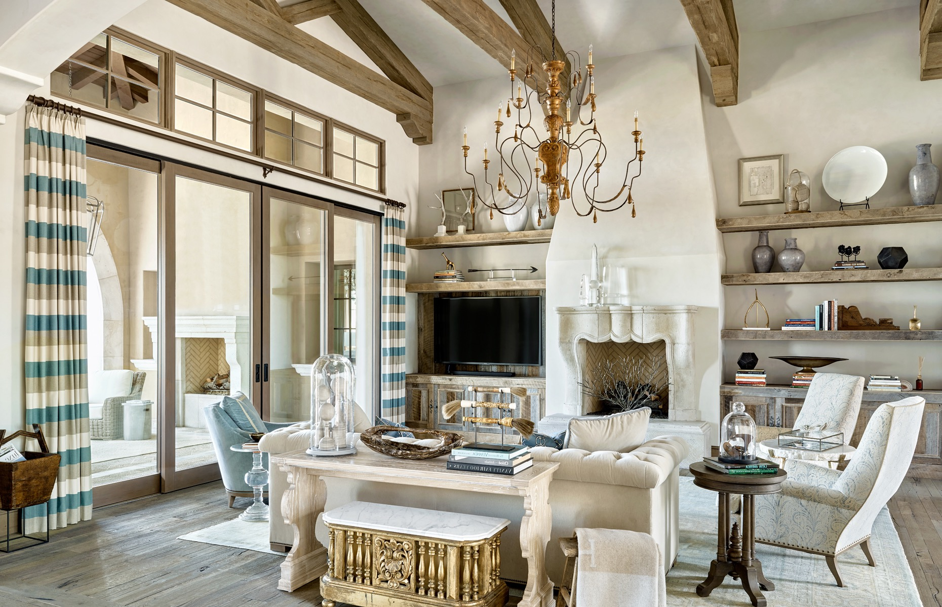 Mediterranean Style Living Room With Rustic Furniture (Image 18 of 25)