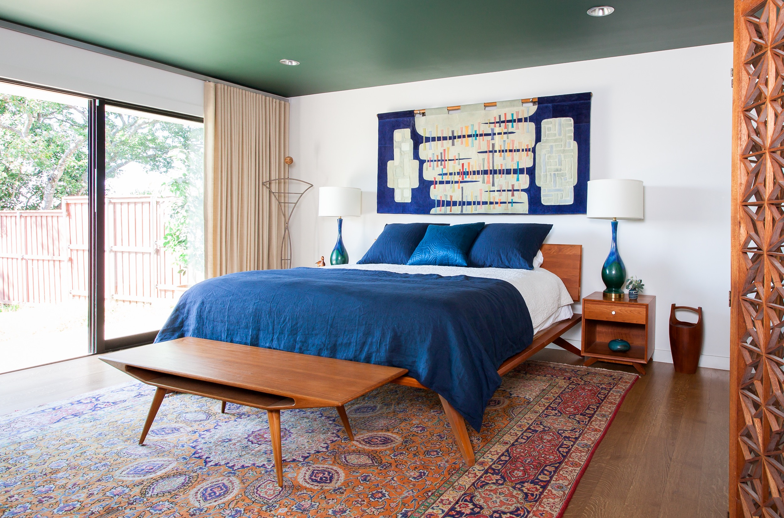 Blue modern master bedroom - Midcentury Modern Master Bedroom With New Modern Furniture And Persian Rug Photo 9 Of 15