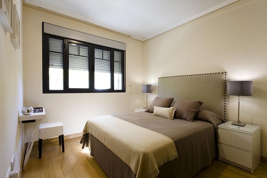 Minimalist Bedroom Apartment Elegant Design (View 18 of 28)