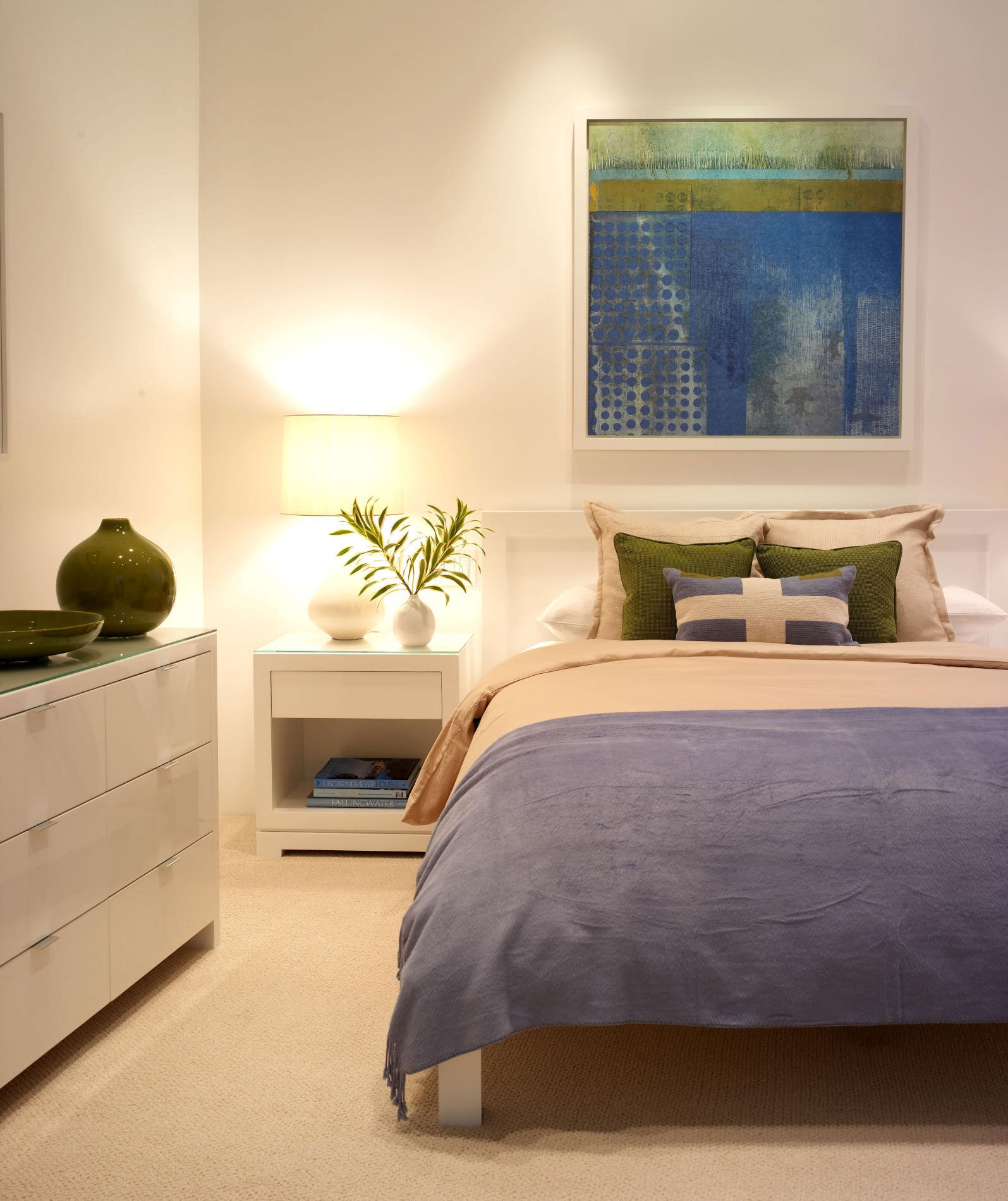 Minimalist Modern Bedroom (Image 21 of 30)