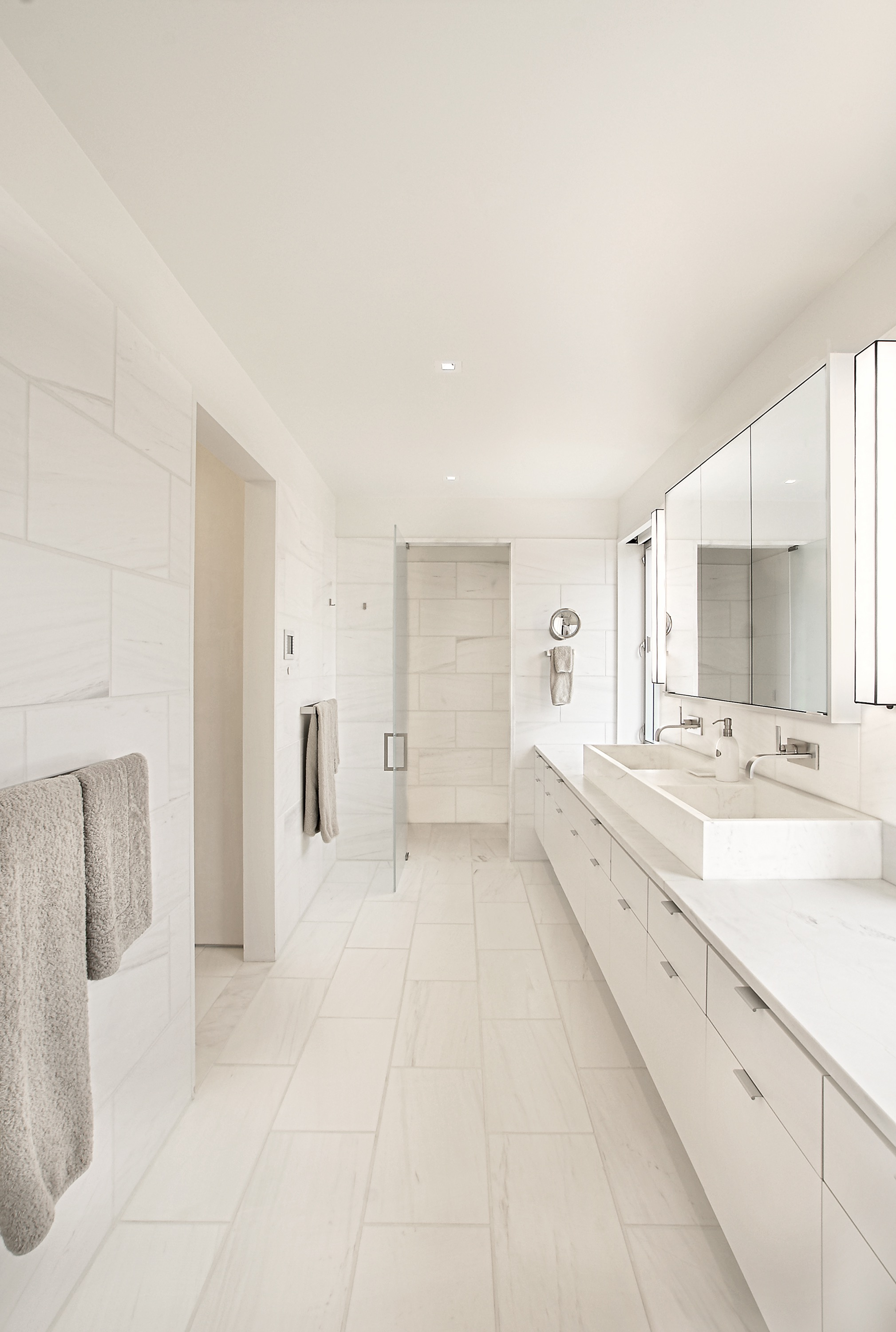 Modern All White Bathroom Flat Panel Furniture With Long Double Vanity (View 12 of 18)