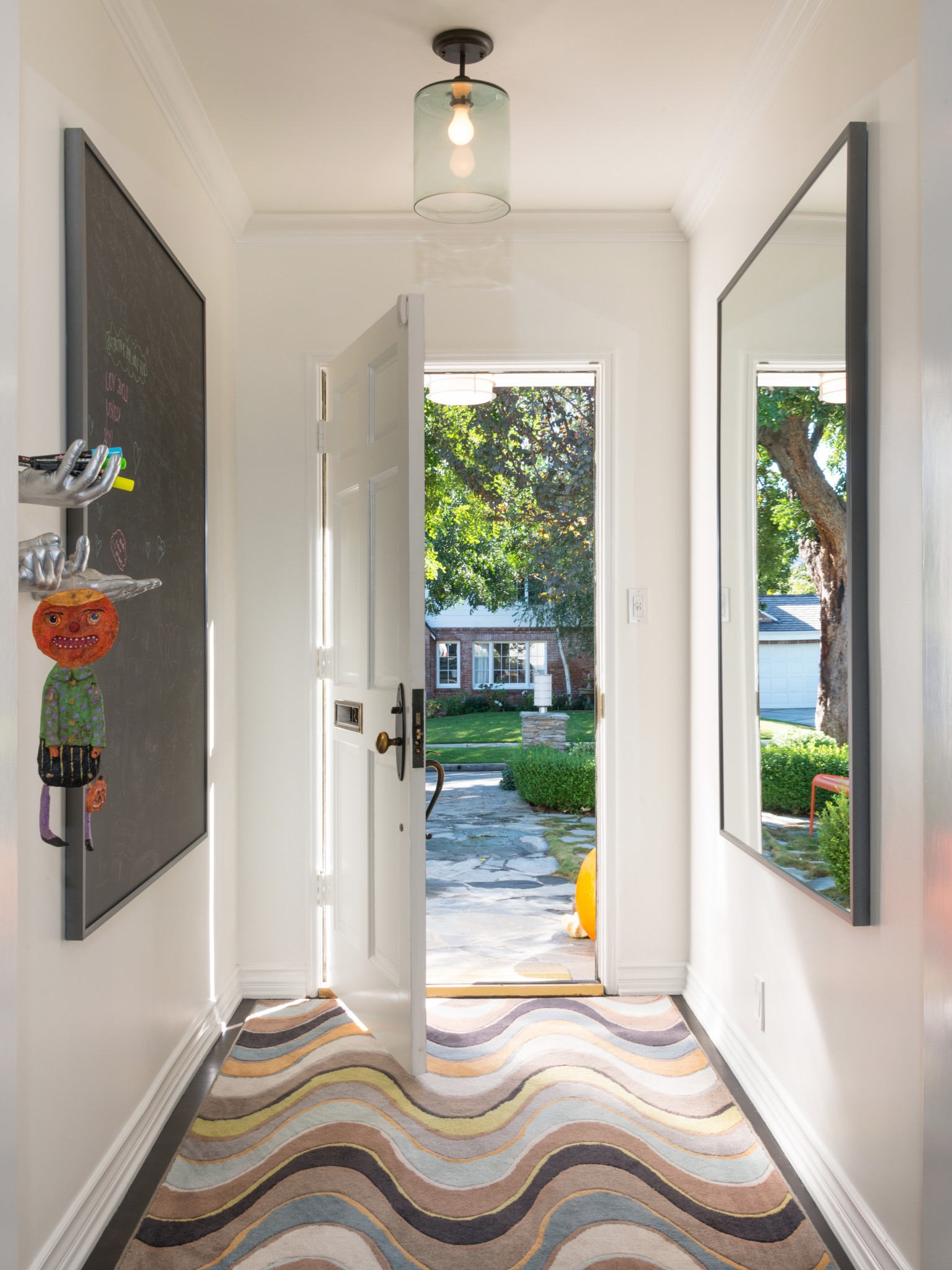 Modern Small Entryway Cozy Design (Image 6 of 13)