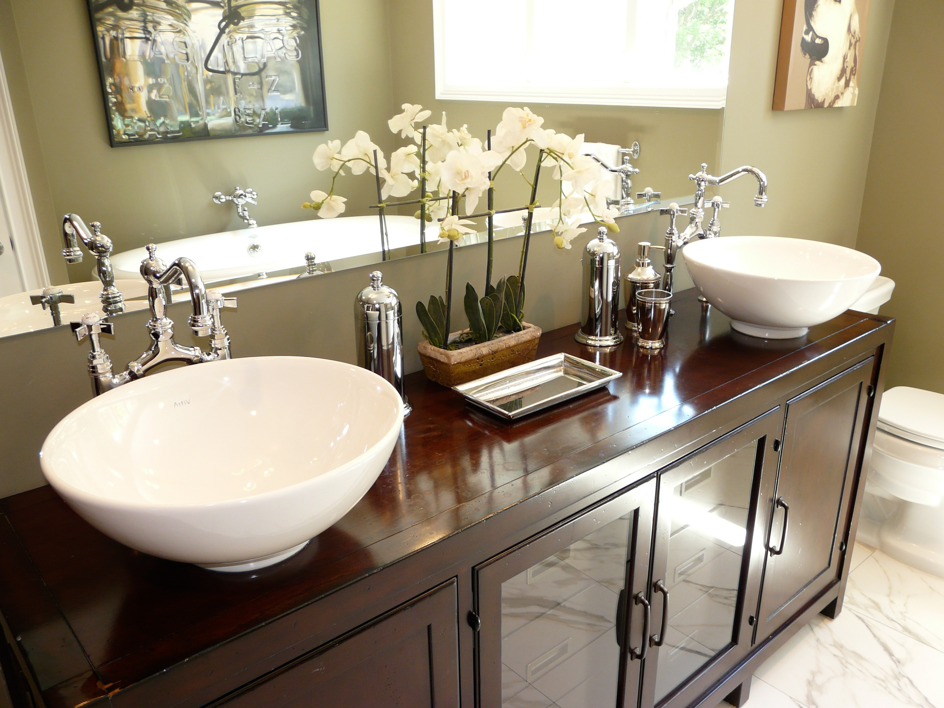 Modern Sophisticated Bathroom Accessories And Flowers Image 10 Of 14