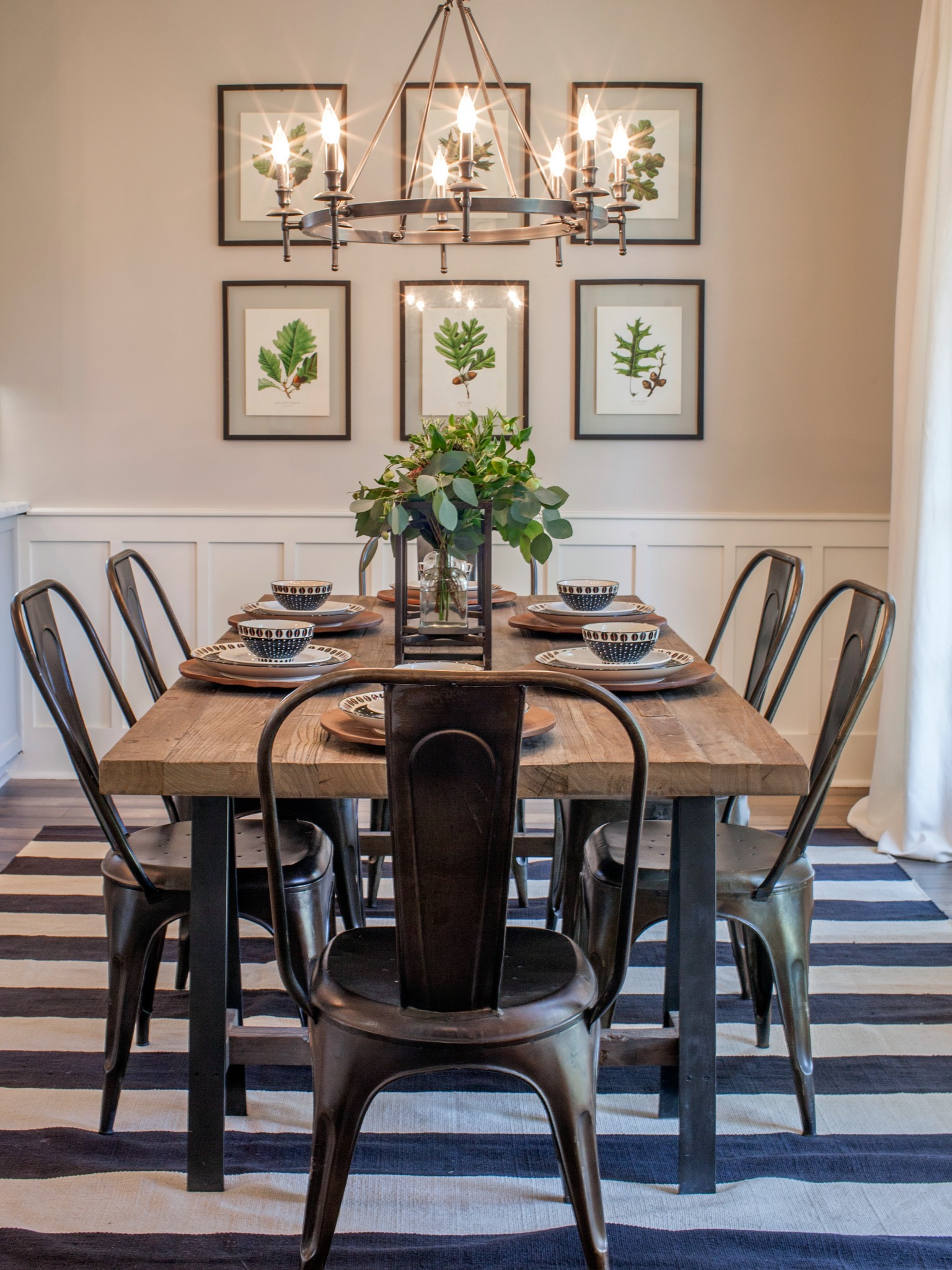 Rustic Modern Dining Room With Stylish And Elegant Design (Image 24 of 36)